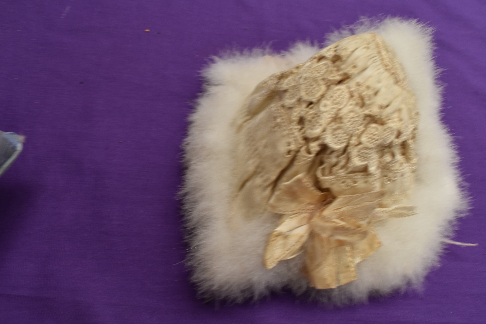 A selection of vintage and antique childrens and babies items including dresses, bonnet, under - Image 6 of 8