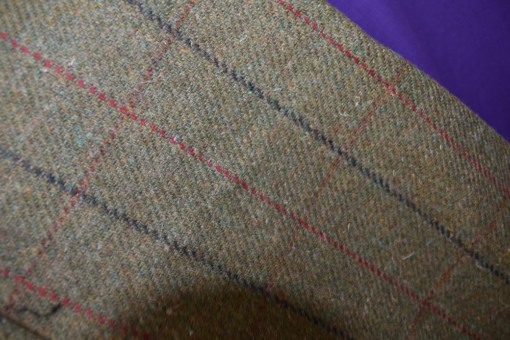 A three piece tweed suit by Bob Parratt, larger size. - Image 4 of 4