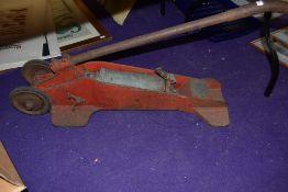 A vintage garage Kismet Forecourt tyre inflator
