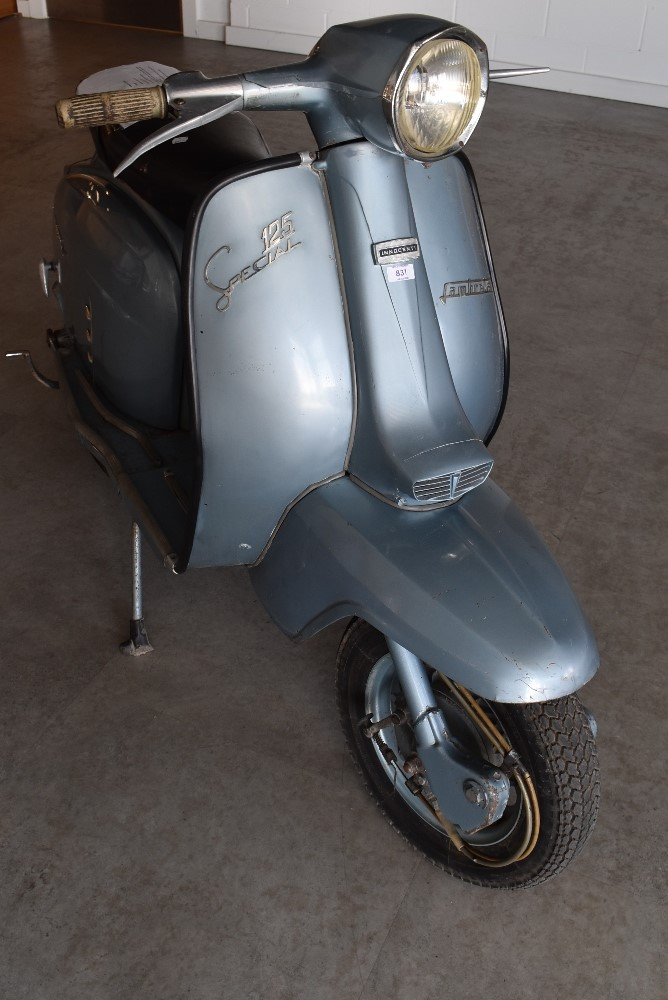 A genuine vintage Italian made Lambretta SX 125 Special scooter Innocenti original barn find - Image 2 of 6
