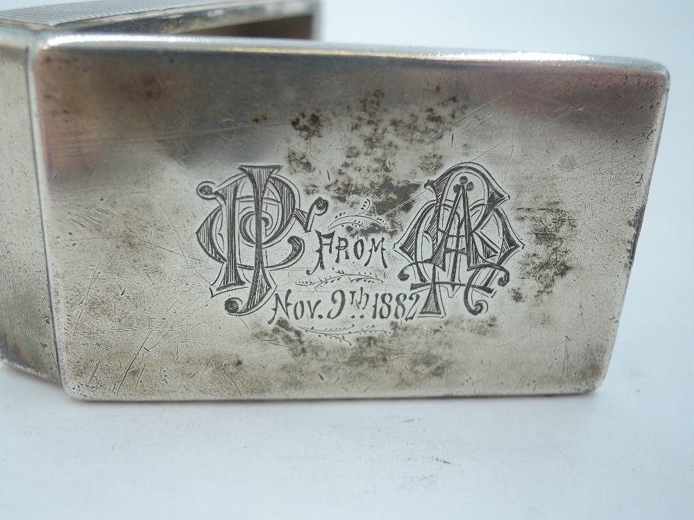 A Victorian silver box vesta of plain form bearing dated monograms to hinged lid, London 1881, - Image 3 of 3
