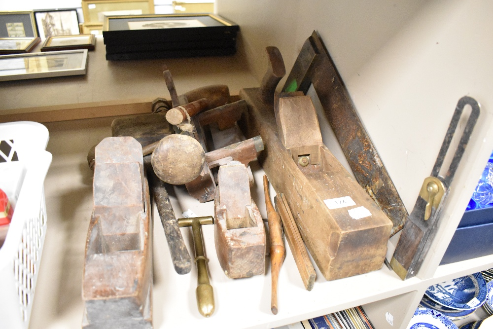 A selection of cabinet makers and wood workers antique planes including Summers Varvill multi plane