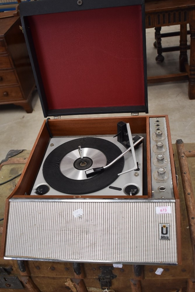A vintage electric gramophone, Ultra
