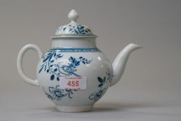 A late 18th century porcelain lidded tea pot in a Worcester design having hand decorated blue and