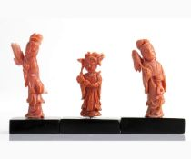 Lot of three Cersuolo coral carvings