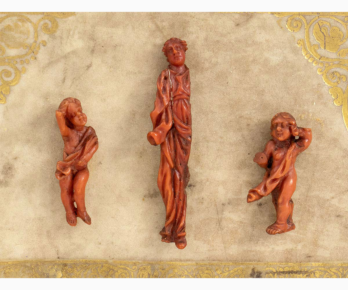 An Italian Mediterranean coral carvings with wooden frame - probably Naples, 18th Century - Image 2 of 3