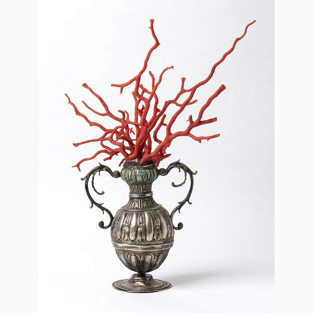 A metal vase with Mediterranean coral branch - Italy, late 18th Century