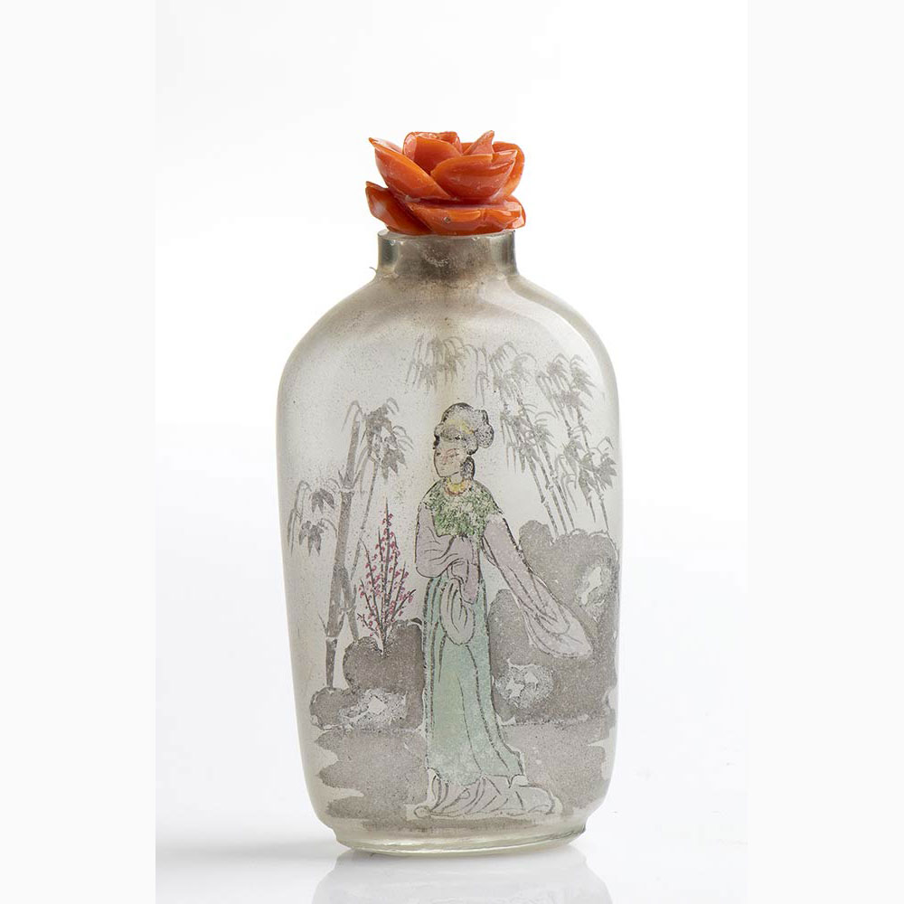A Chinese snuff bottle with Cerasuolo coral stopper - Manifacture Guarracino, Torre del Greco - Image 2 of 2