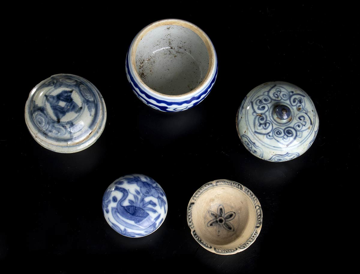 FIVE PORCELAIN CONTAINERSChina and Southeast Asia - Image 2 of 2