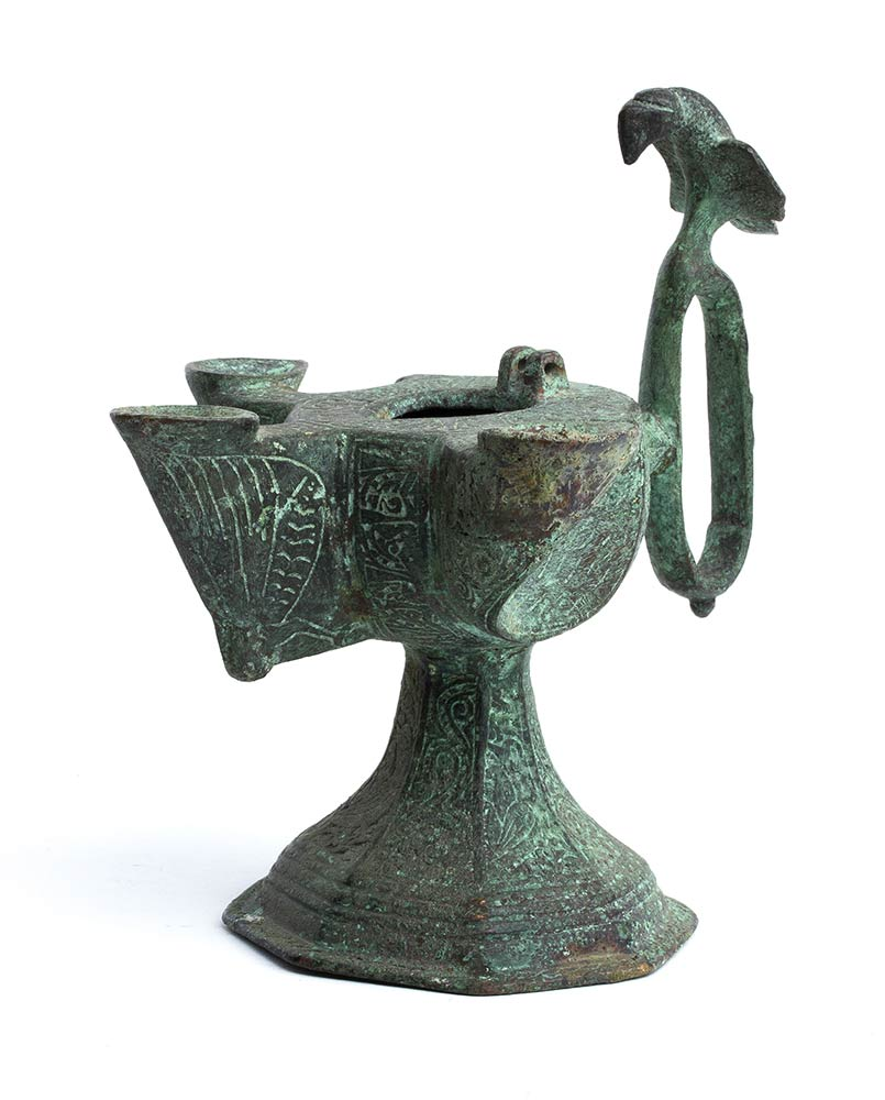 A TRIPLE-WICKED INCISED BRONZE OIL LAMPIran, Khorasan, 12th-13th century - Image 3 of 3