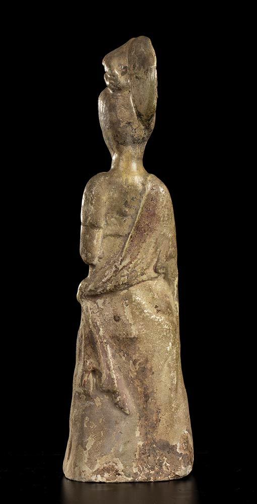 A GLAZED CERAMIC FEMALE FIGURE China, Tang dynasty style - Image 3 of 3
