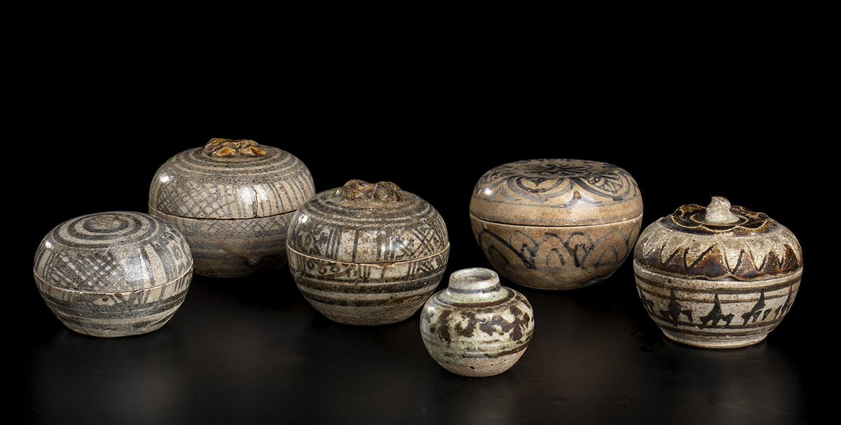 SIX 'SAWANKALOK' PAINTED CERAMIC CONTAINERSThailand, 15th-16th century