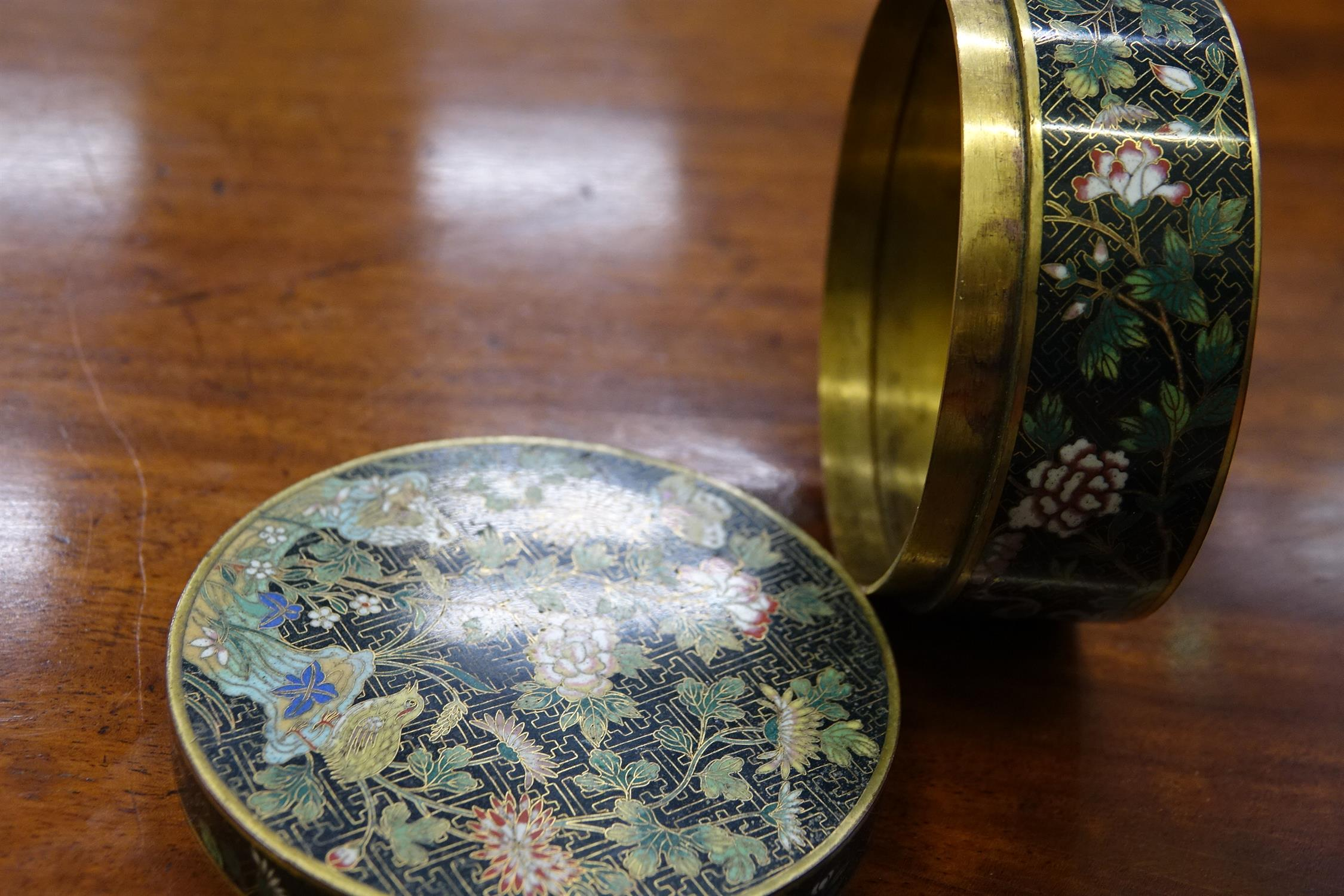 A 'FLOWER AND ROCKS' ROUND CLOISONNE BOX AND COVER China, Late Qing to Republican / Minguo period - Image 21 of 36