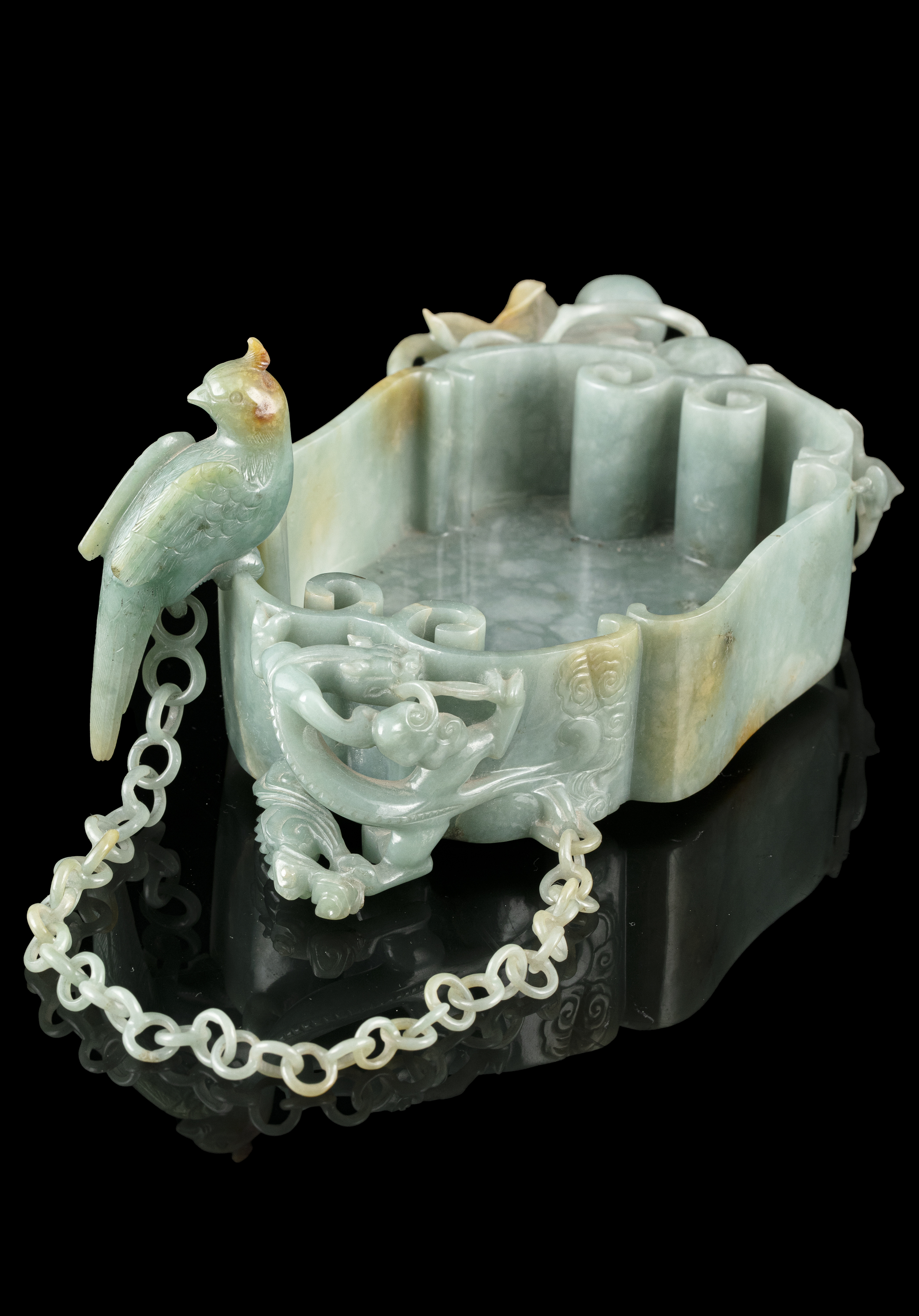 A LINGZHI-SHAPED JADEITE JADE BRUSHWASHER WITH A PARROT China, Qing Dynasty, 19th century - Image 9 of 35