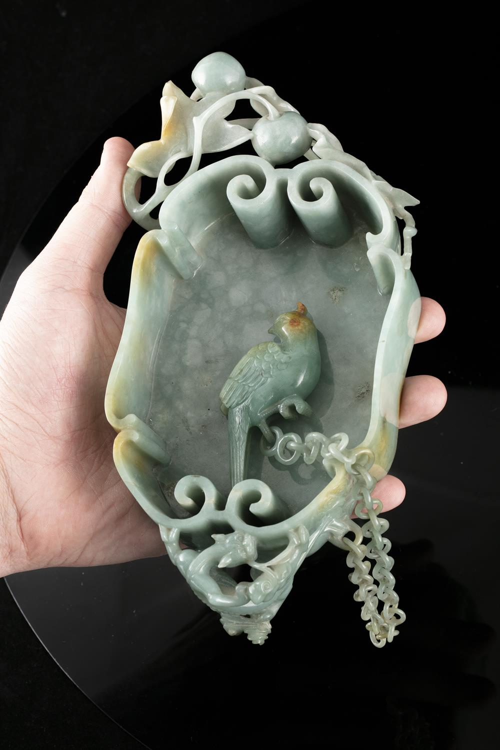 A LINGZHI-SHAPED JADEITE JADE BRUSHWASHER WITH A PARROT China, Qing Dynasty, 19th century - Image 33 of 35