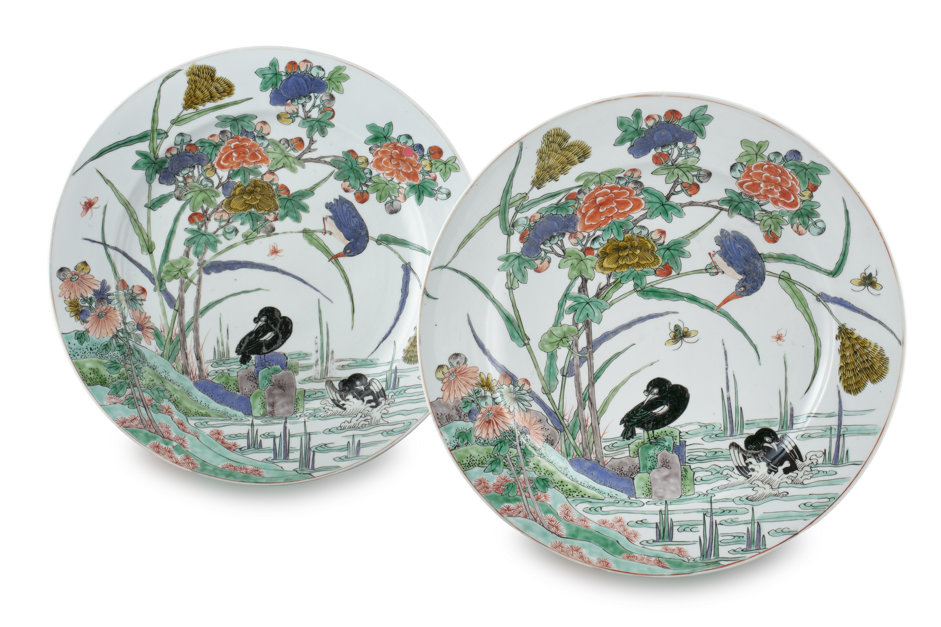 AN IMPORTANT PAIR OF FAMILLE VERTE 'FLYCATCHER AND MAGPIES' PORCELAIN SHALLOW DISHES China, Qing