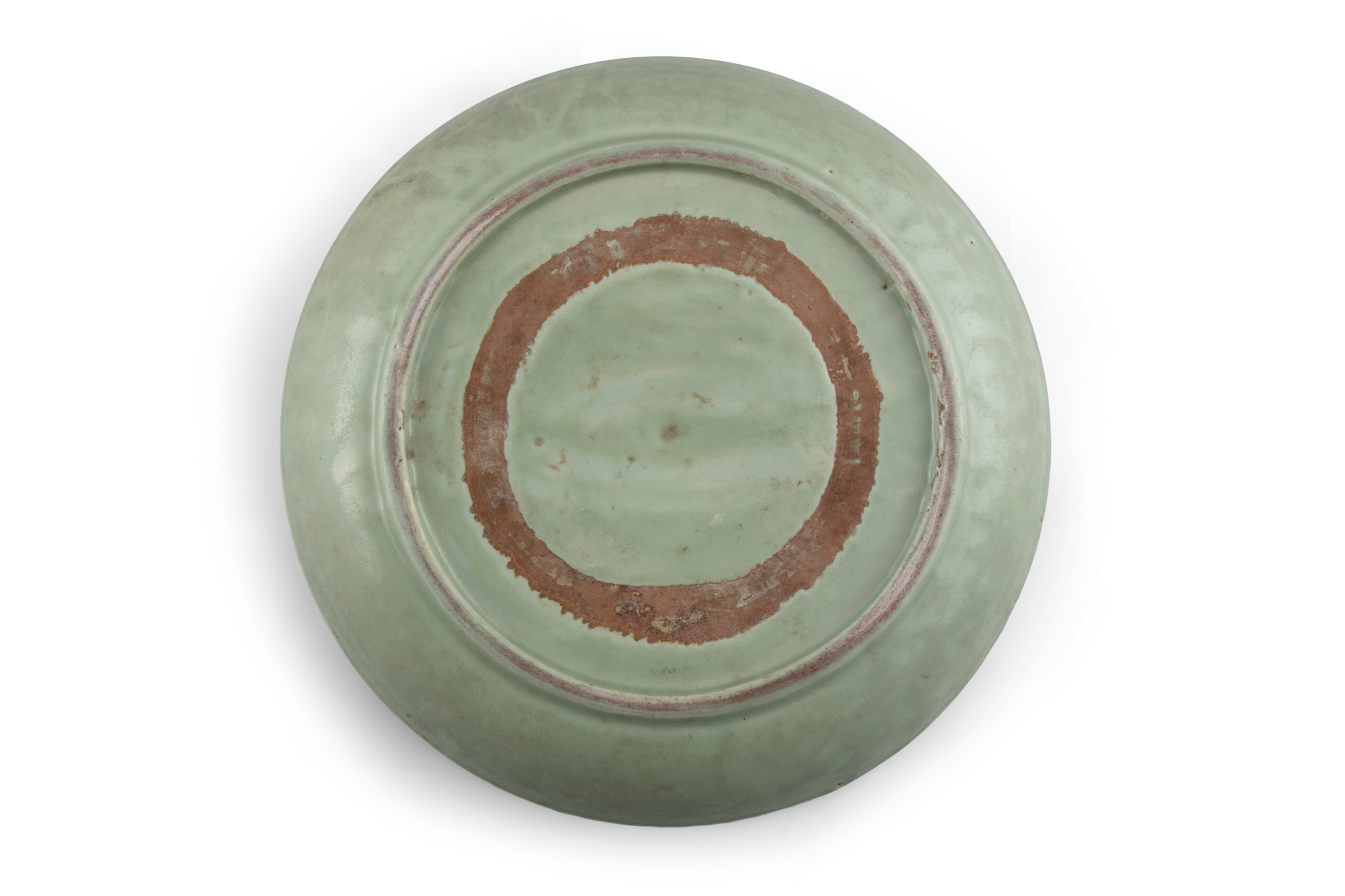 A LONGQUAN CELADON 'FLORAL SPRAY' FLAT DISH With a both engraved and molded design, the center - Image 8 of 11