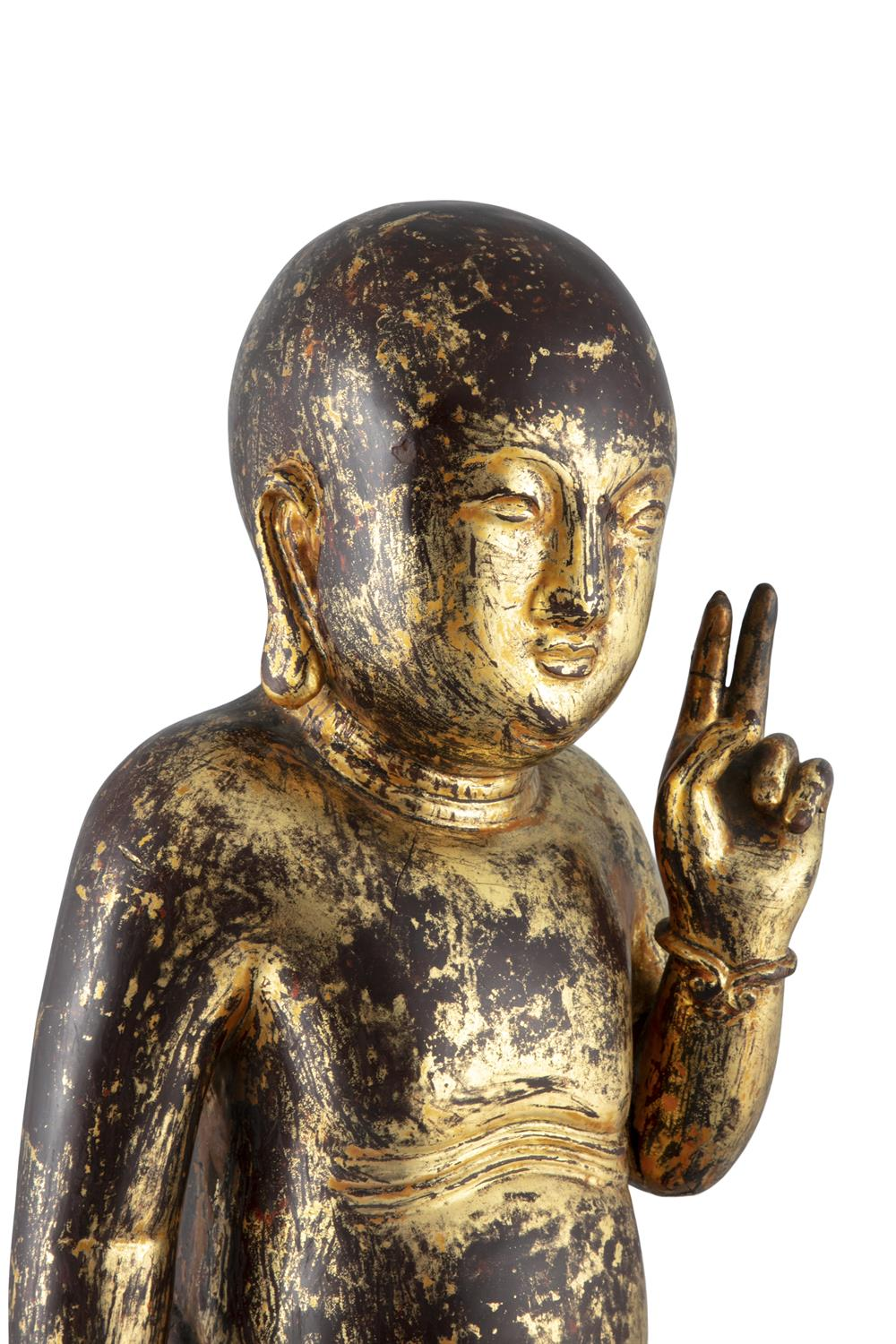 A LARGE GILT-LACQUERED WOODEN SCULPTURE OF THE STANDING INFANT BUDDHA China, Qing Dynasty (or - Image 15 of 20