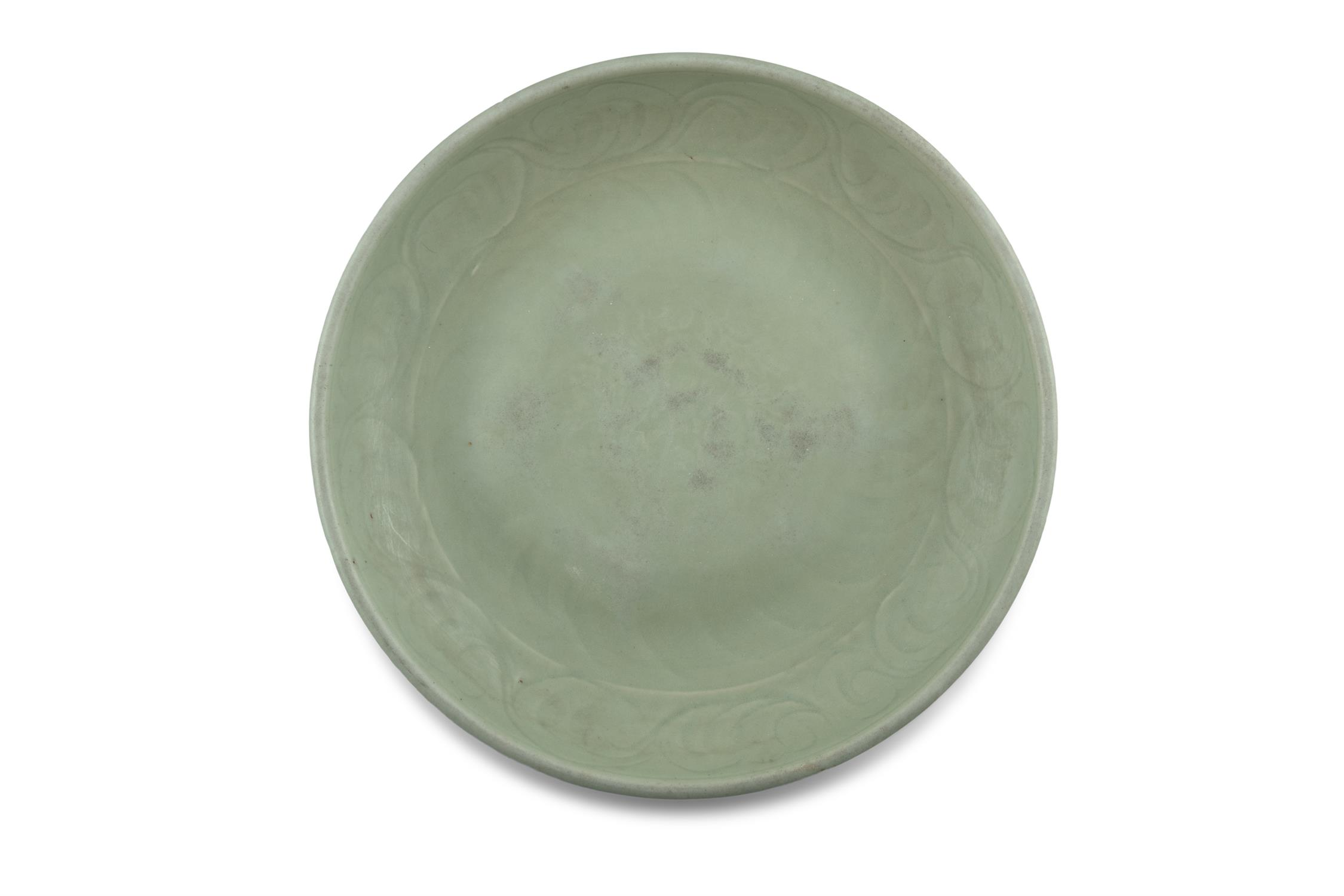 A LONGQUAN CELADON 'FLORAL SPRAY' FLAT DISH With a both engraved and molded design, the center - Image 9 of 11