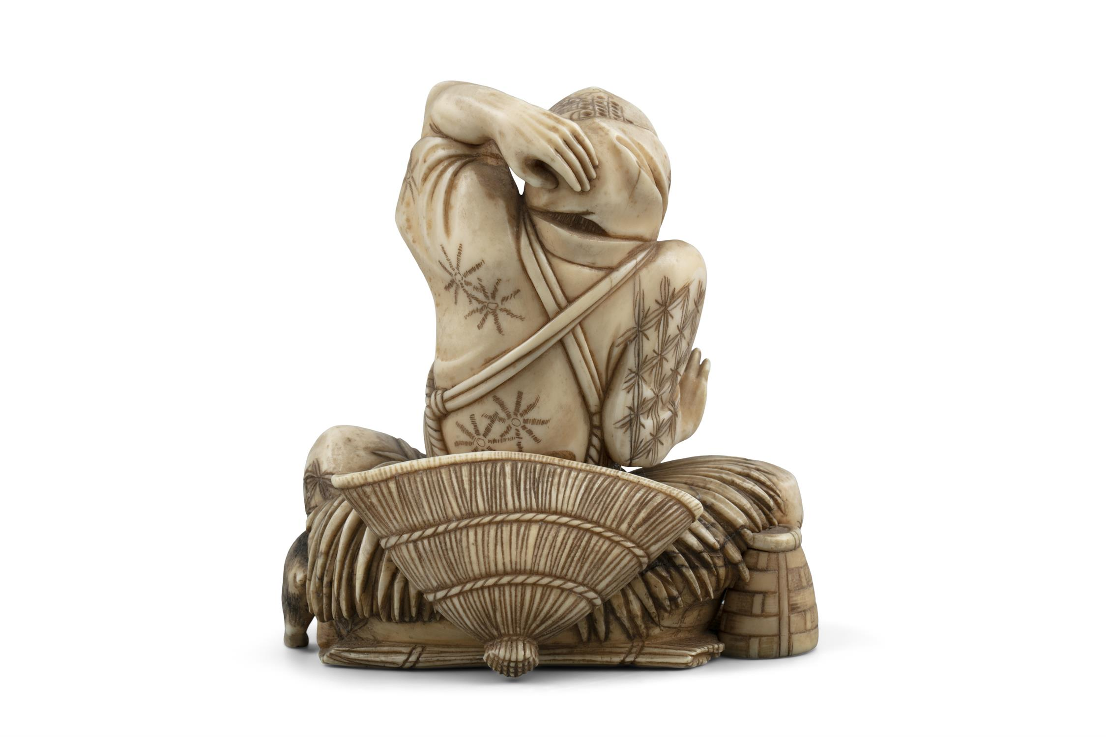 *MASAHIDE 正秀: A CARVED IVORY OKIMONO OF SCARED MAN WITH A CAT AND A SNAKE Japan, Meiji period, - Image 11 of 14
