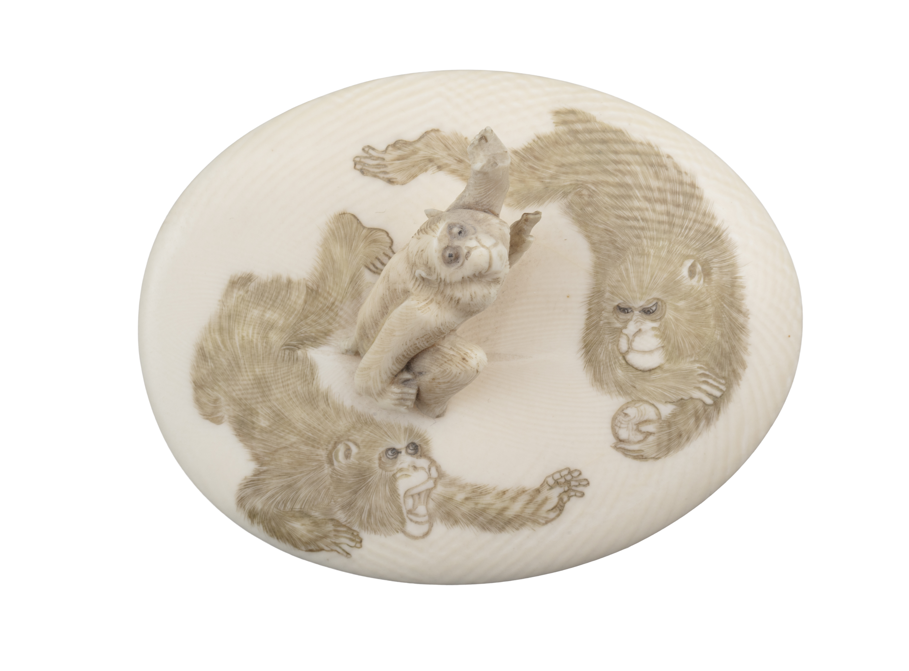 *AN IVORY 'MONKEYS AND EAGLE' BOX AND COVER Japan, Meiji period The outer is adorned in low-relief - Image 3 of 8