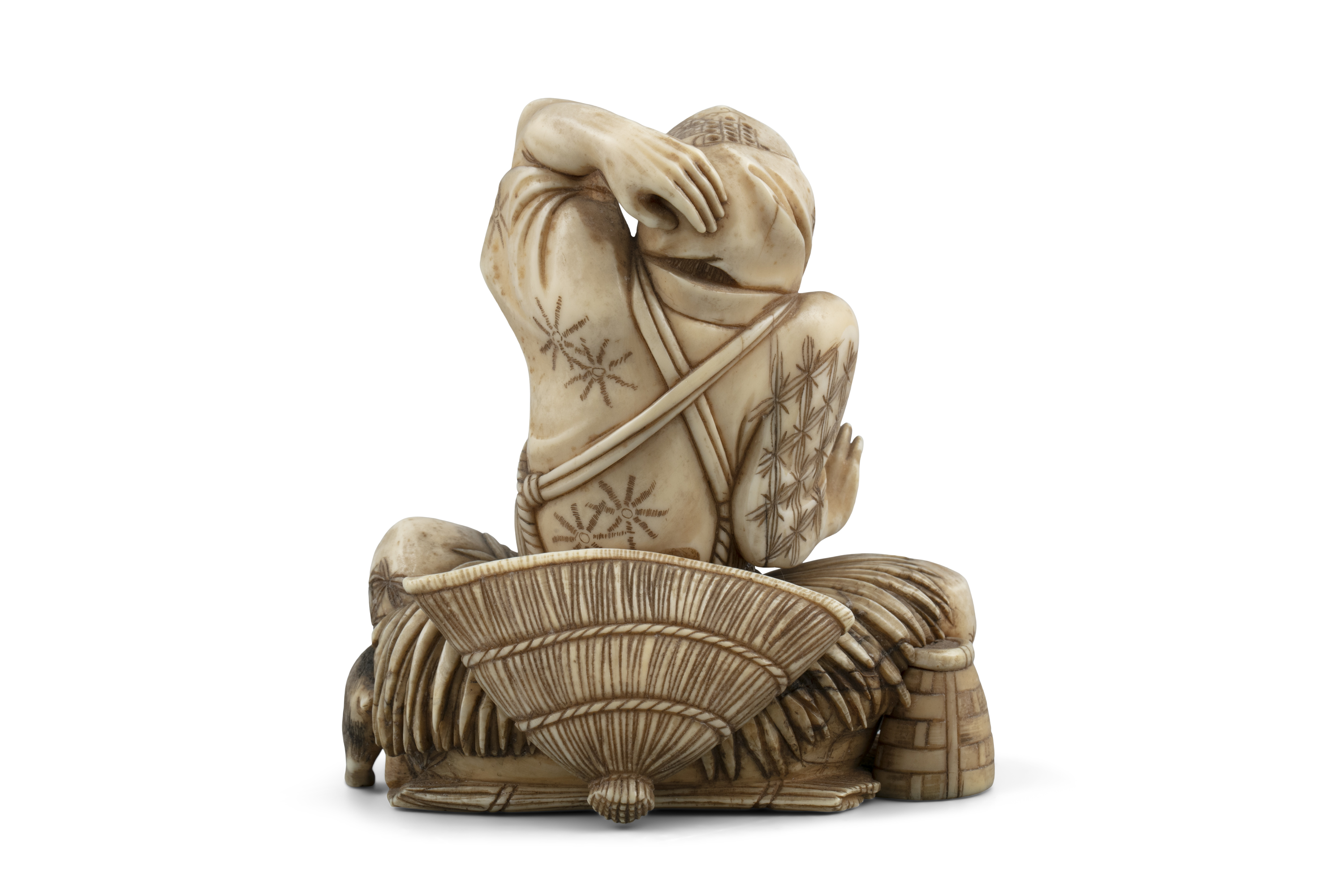*MASAHIDE 正秀: A CARVED IVORY OKIMONO OF SCARED MAN WITH A CAT AND A SNAKE Japan, Meiji period, - Image 5 of 14