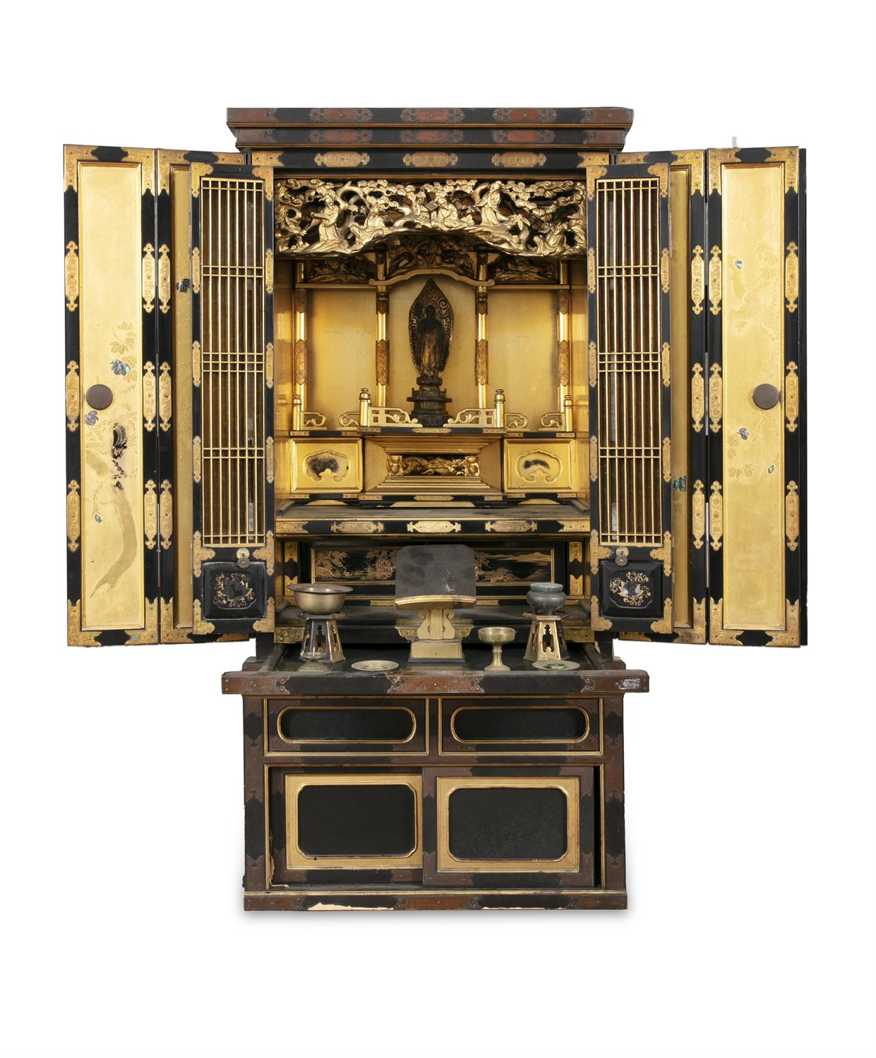 A GILT AND BLACK LACQUERED WOODEN ALTAR, BUTSUDAN Japan, 19th century It is composed of two square - Image 4 of 6