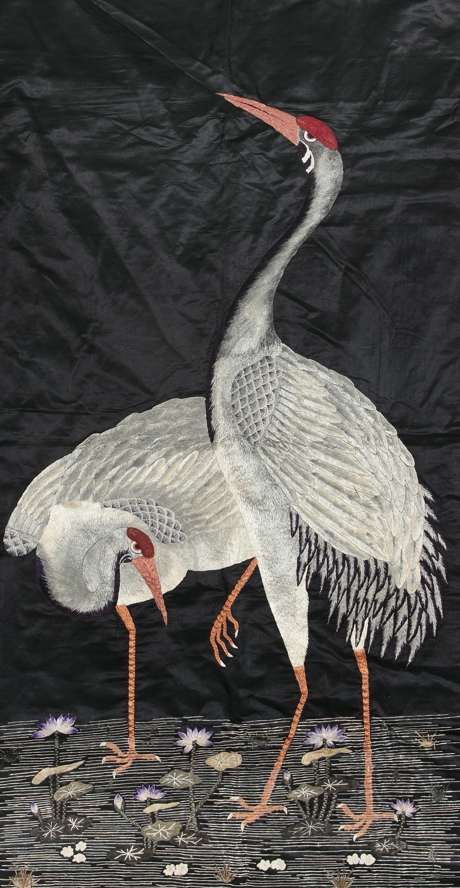 AN EMBROIDERED 'CRANES AND LOTUS' SILK PANEL Likely Japan, Meiji period Adorned with two lively - Image 2 of 4