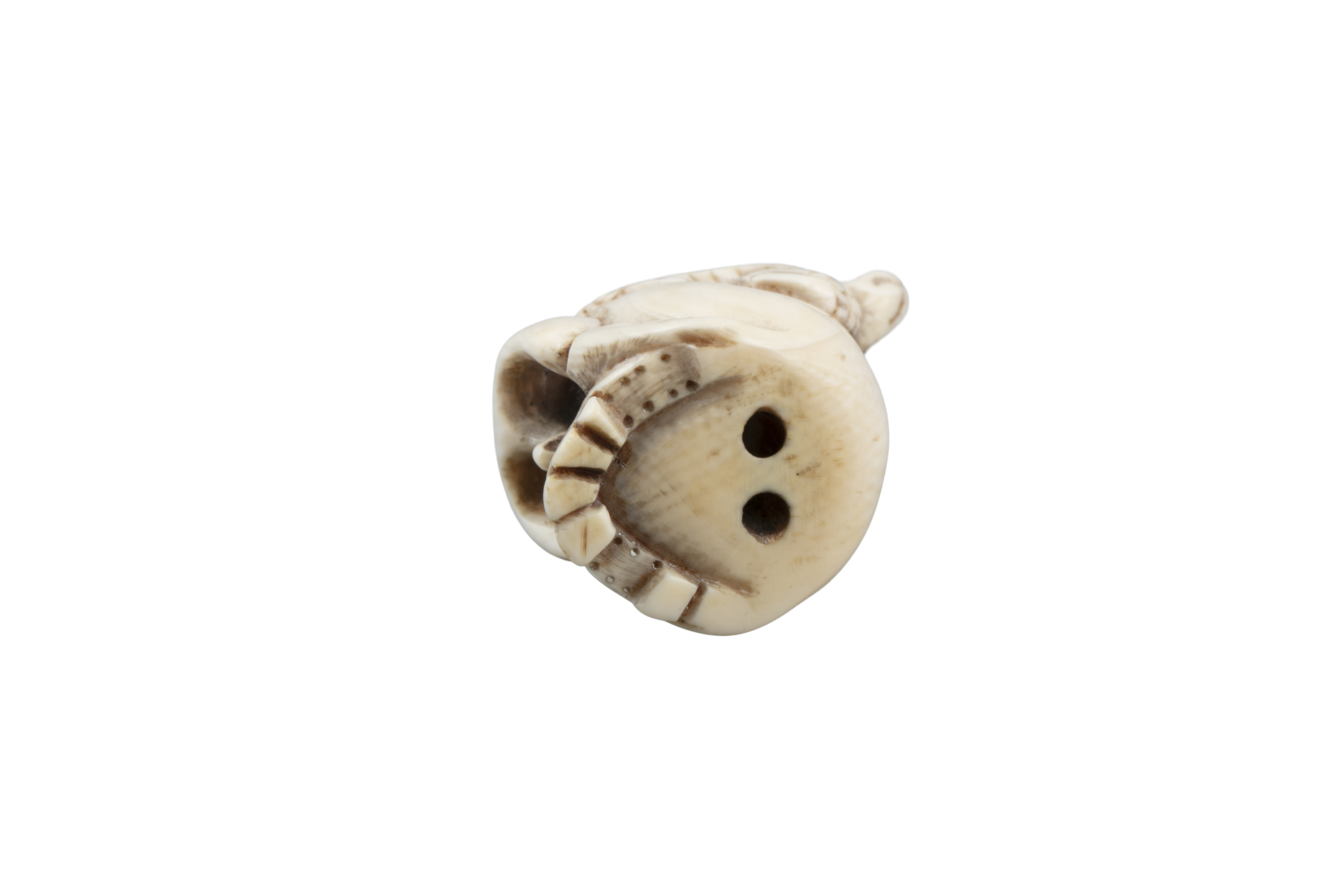 *VANITY - A GROUP OF TWO (2) 'SKULL' KATABORI NETSUKE Japan, 19th century The first one carved out - Image 2 of 18