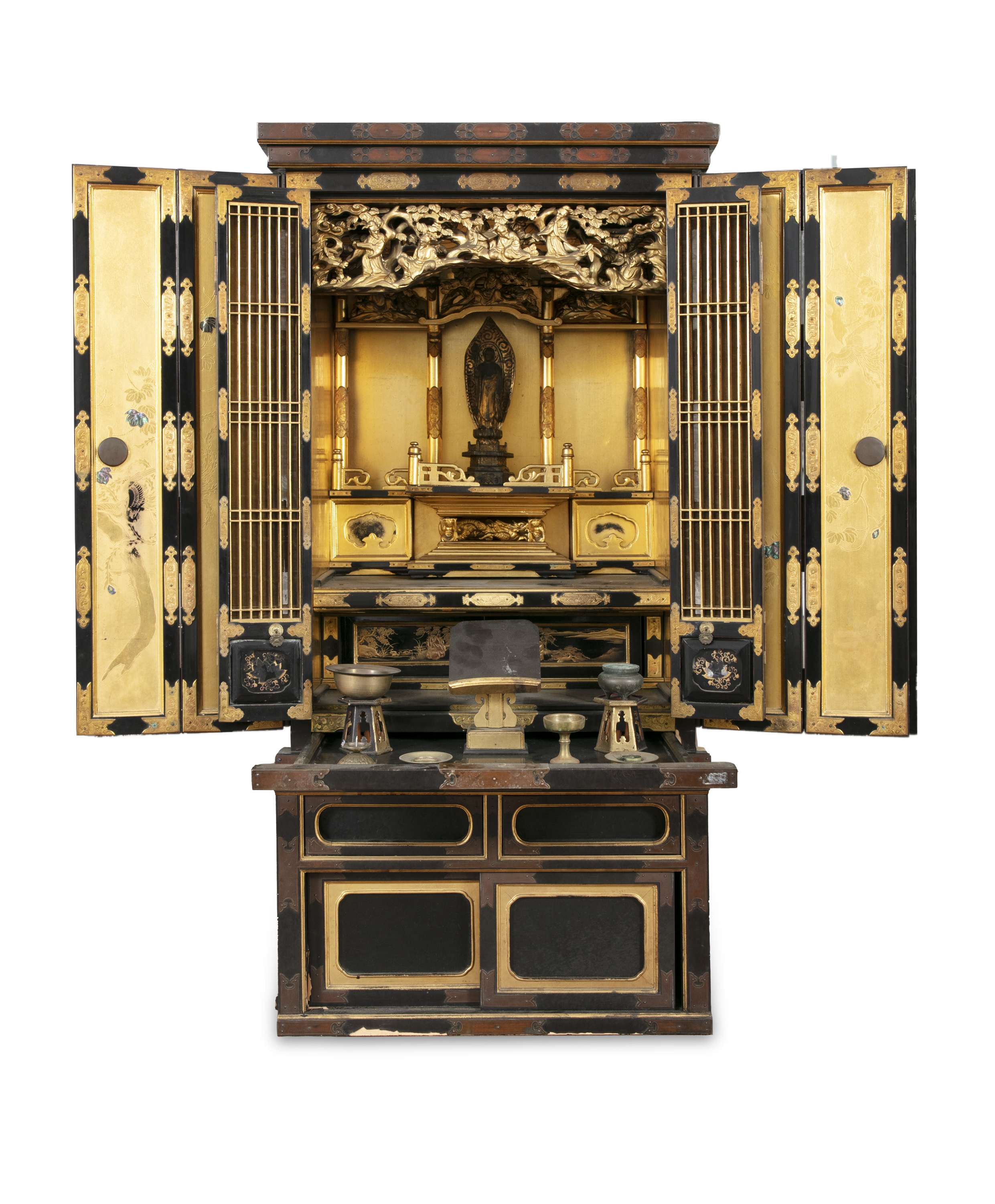 A GILT AND BLACK LACQUERED WOODEN ALTAR, BUTSUDAN Japan, 19th century It is composed of two square