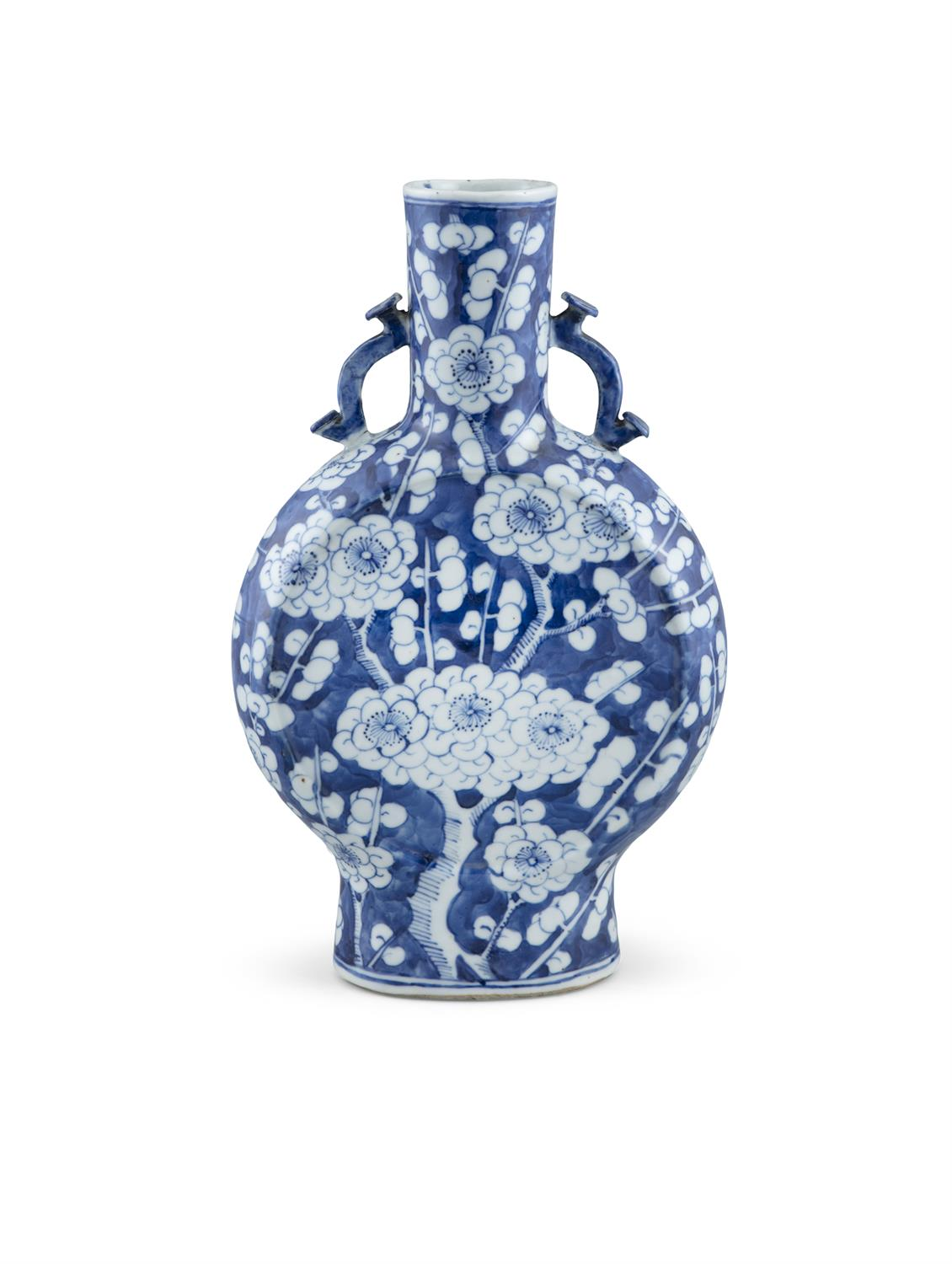 A CHINESE BLUE AND WHITE MOON FLASK, 19th century, of flattened baluster form with cylindrical neck