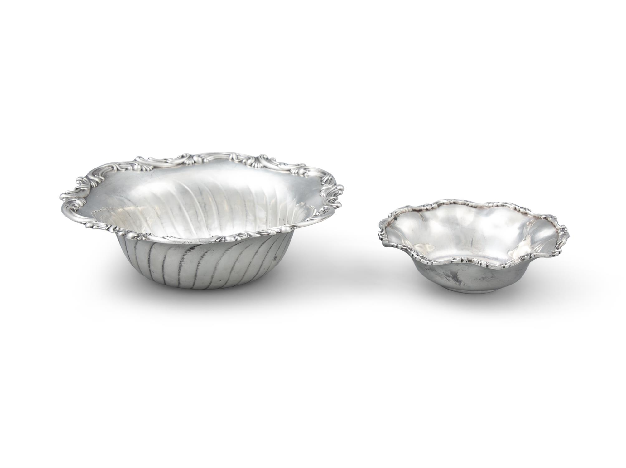 AN AMERICAN SILVER FRUIT BOWL, late 19th Century by Galt & Bros of Washington, of deep circo form - Image 2 of 3