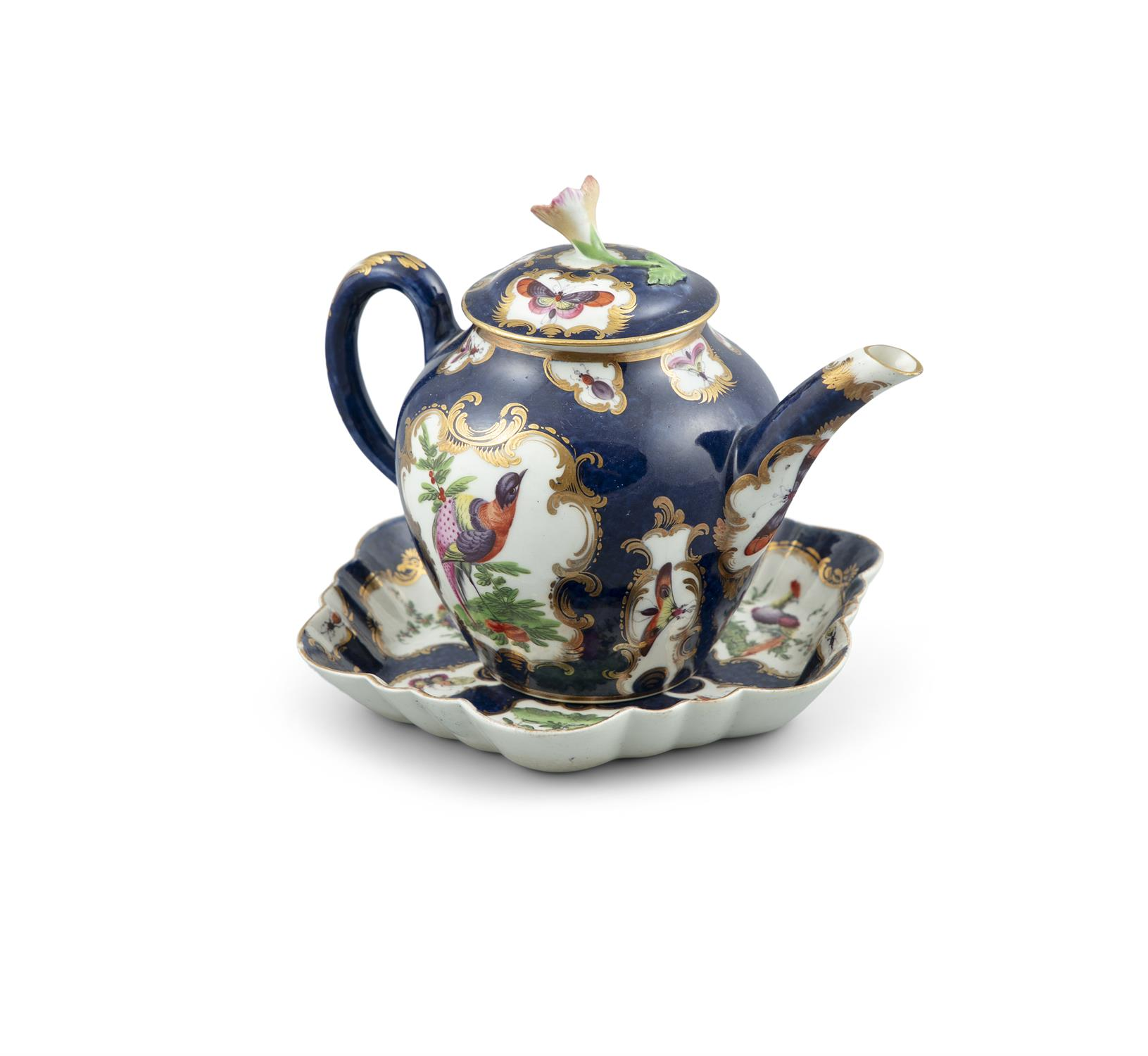 A WORCESTER PORCELAIN BACHELOR'S TEAPOT AND STAND, the deep blue ground decorated with panels - Image 2 of 3