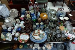 Various items of decorative china, pottery, & glassware, part w.a.f.