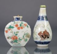 A Chinese porcelain flat-sided ovoid snuff bottle, decorated in underglaze blue & famille rose