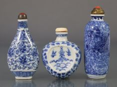 Three Chinese blue & white porcelain snuff bottles, comprising a peach form flat-sided bottle,