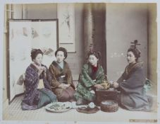 A LATE 19TH/EARLY 20TH CENTURY JAPANESE PHOTOGRAPH ALBUM WITH LAQUERED FRONT & BACK PICTORIAL