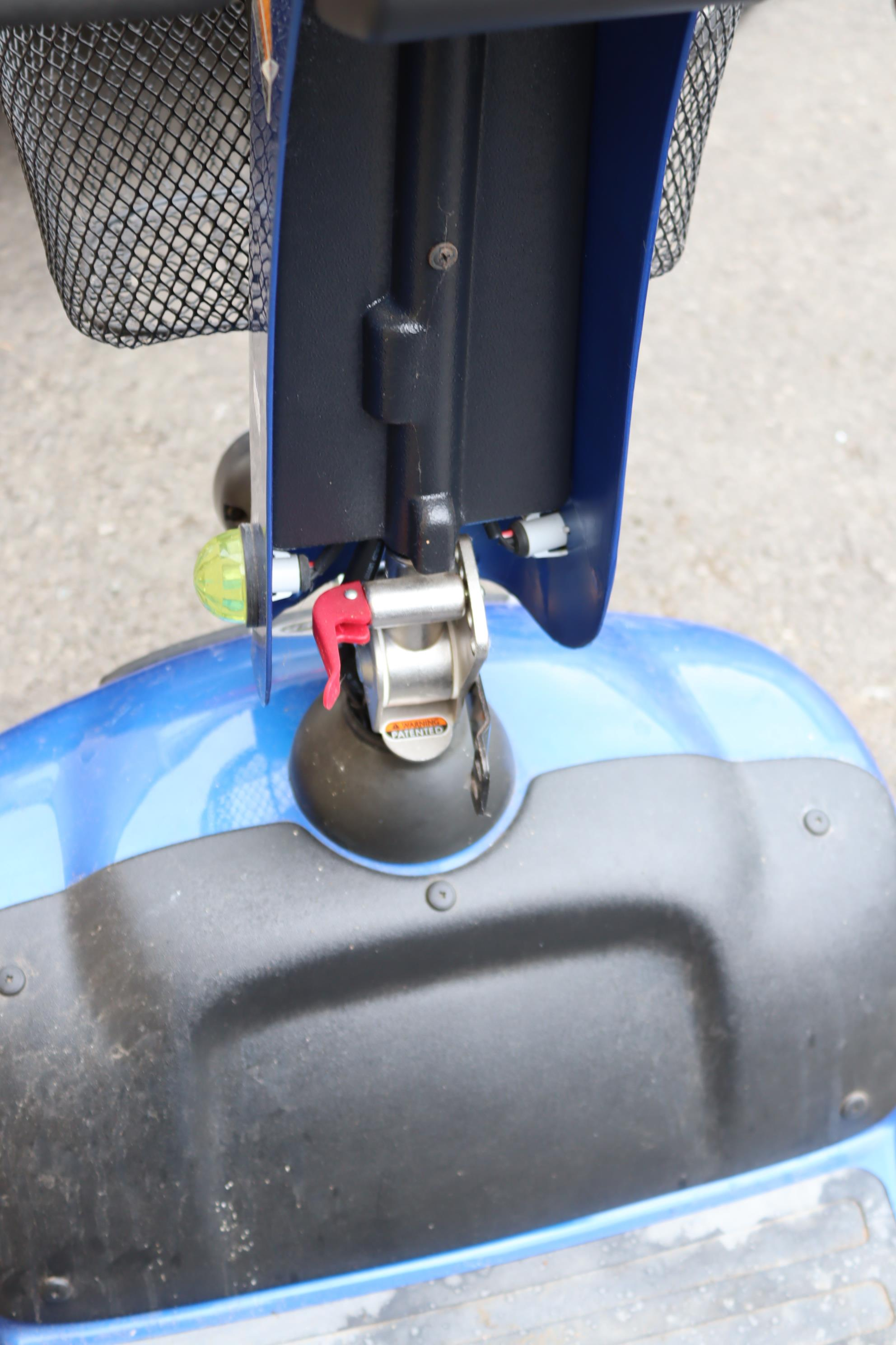 A Shoprider mobility scooter with battery, charger, & key. - Image 6 of 8