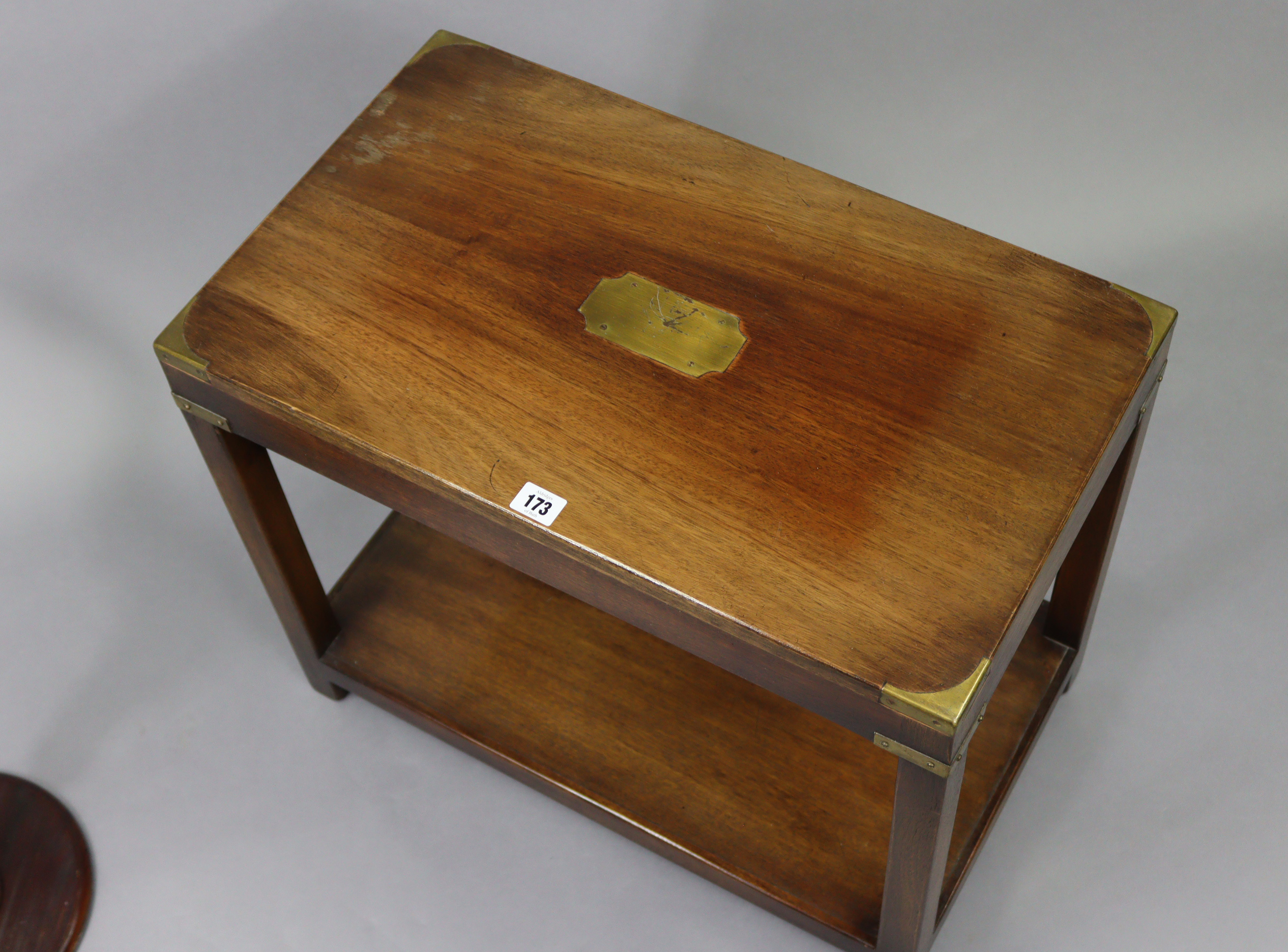A reproduction brass-mounted mahogany campaign-style rectangular two tier coffee table on square - Image 2 of 6