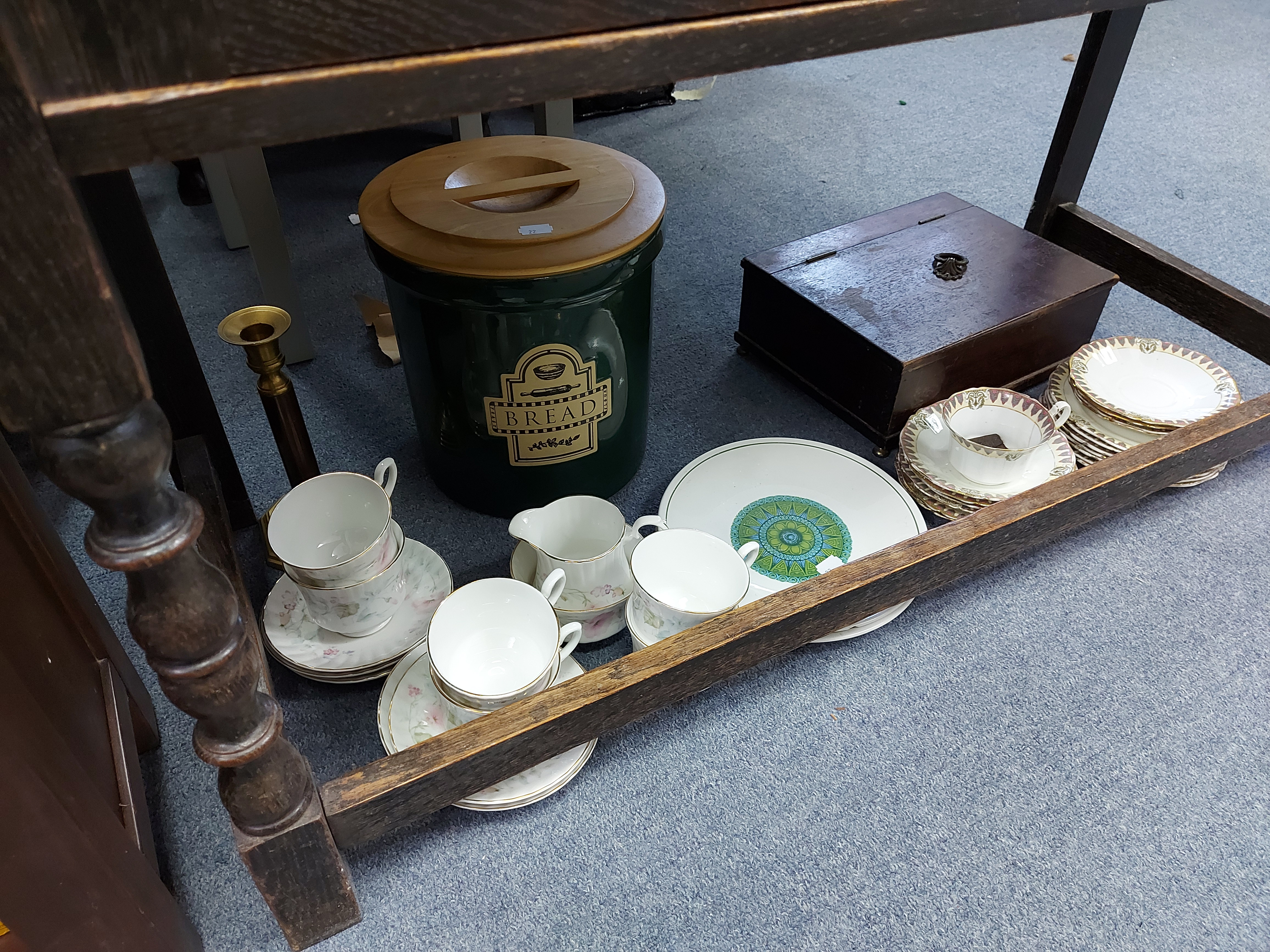 Various items of decorative china, pottery, glassware, etc. - Image 5 of 8