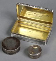 A William IV silver snuff box of rectangular form, with engine-turned decoration & foliate handle,