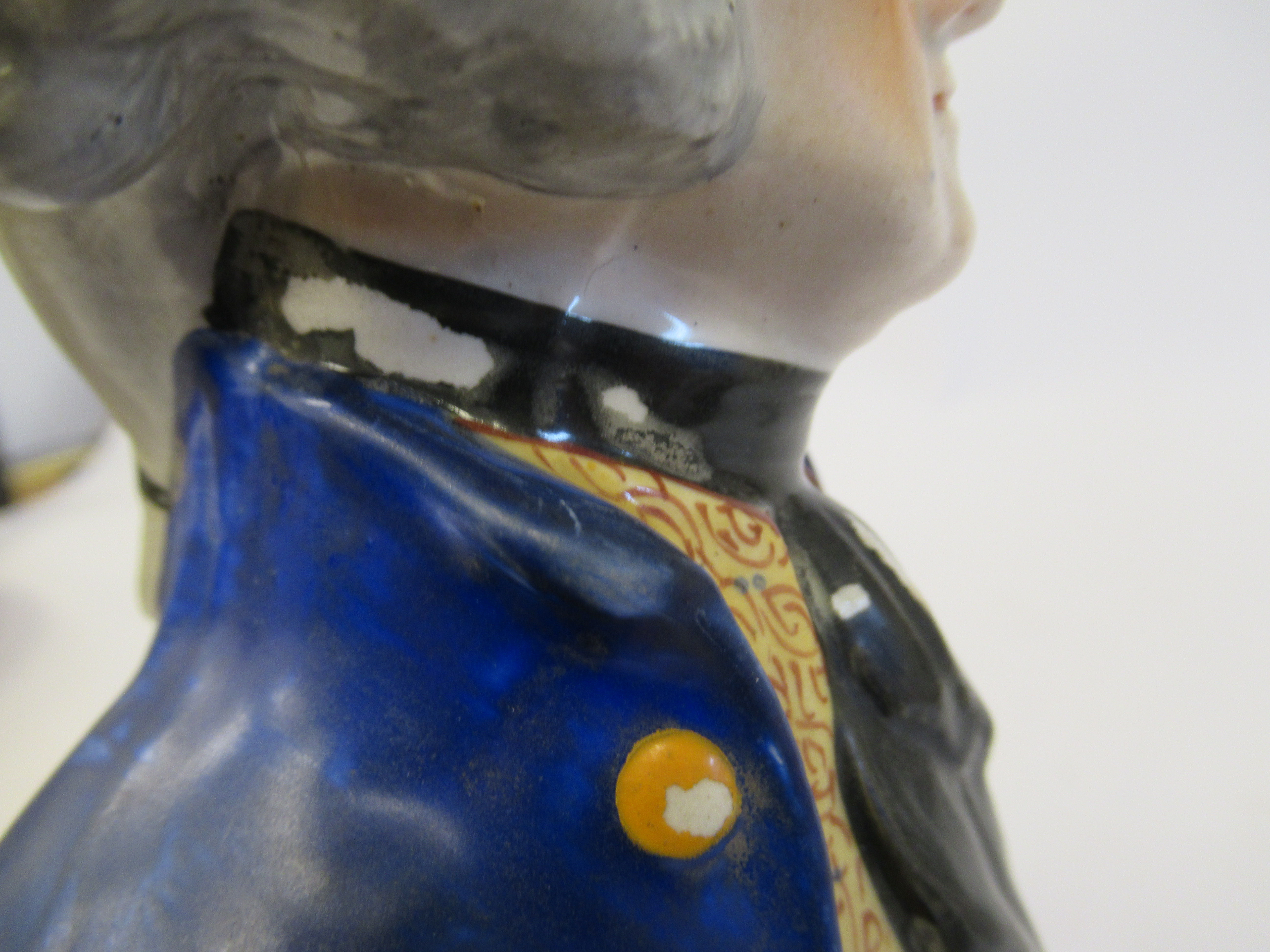 A 19thC Staffordshire pottery bust, featuring a bewigged gentleman, wearing a coat and cravat, on an - Image 6 of 8
