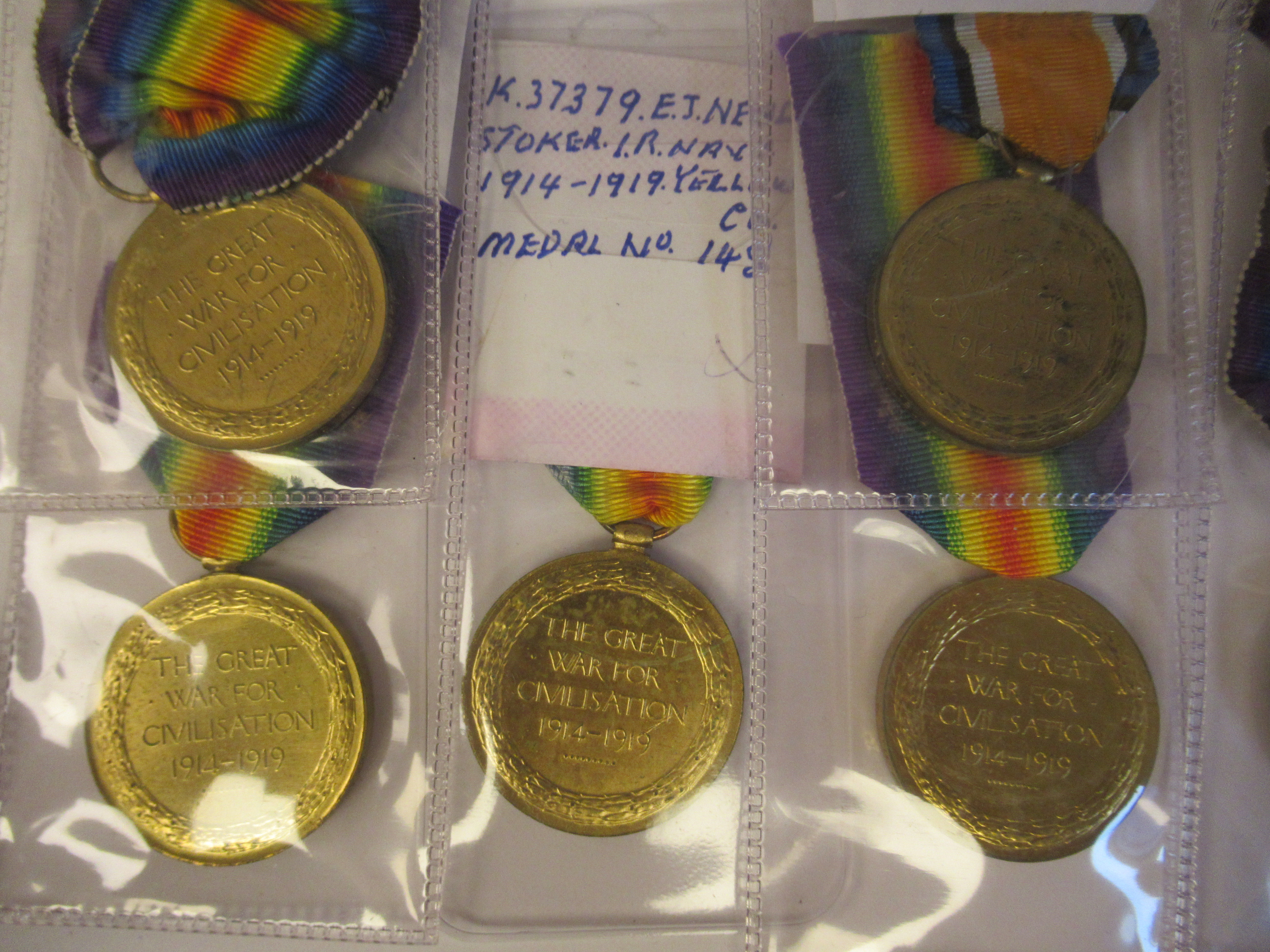 Twenty-four Great War 1914-1918 British service medals on ribbons, viz. 46481, Gnr. E. Williamson - Image 6 of 16