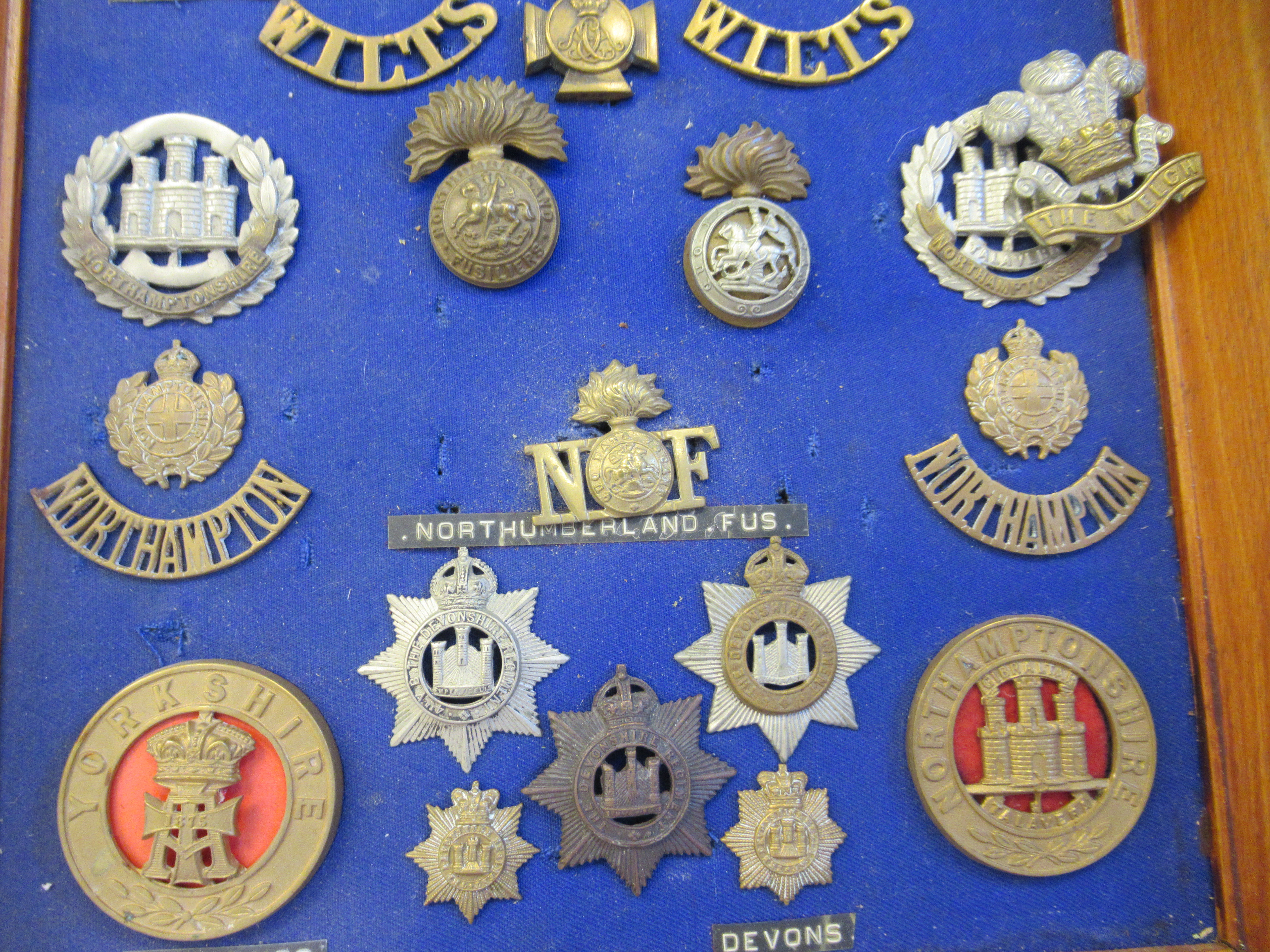 Approx. fifty military cap badges and other insignia, some copies: to include The Lancashire - Image 4 of 6