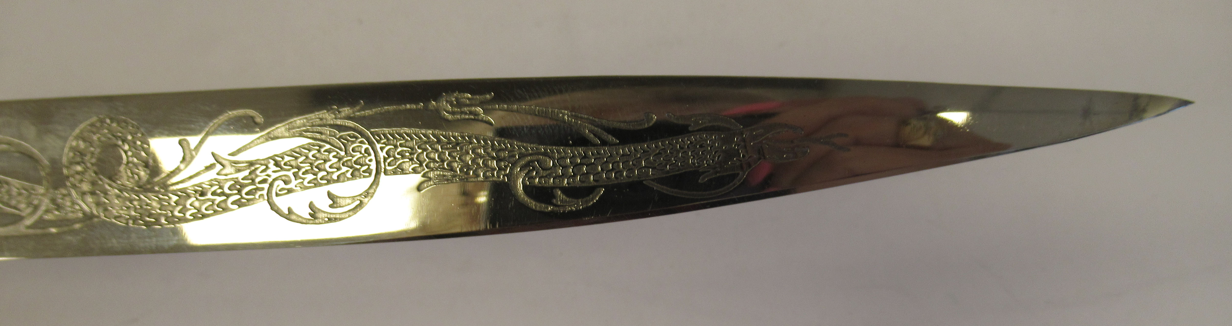 A vintage style Gauco knife/Venenoza dagger, having celluloid inserts on the handle, the blade - Image 5 of 6