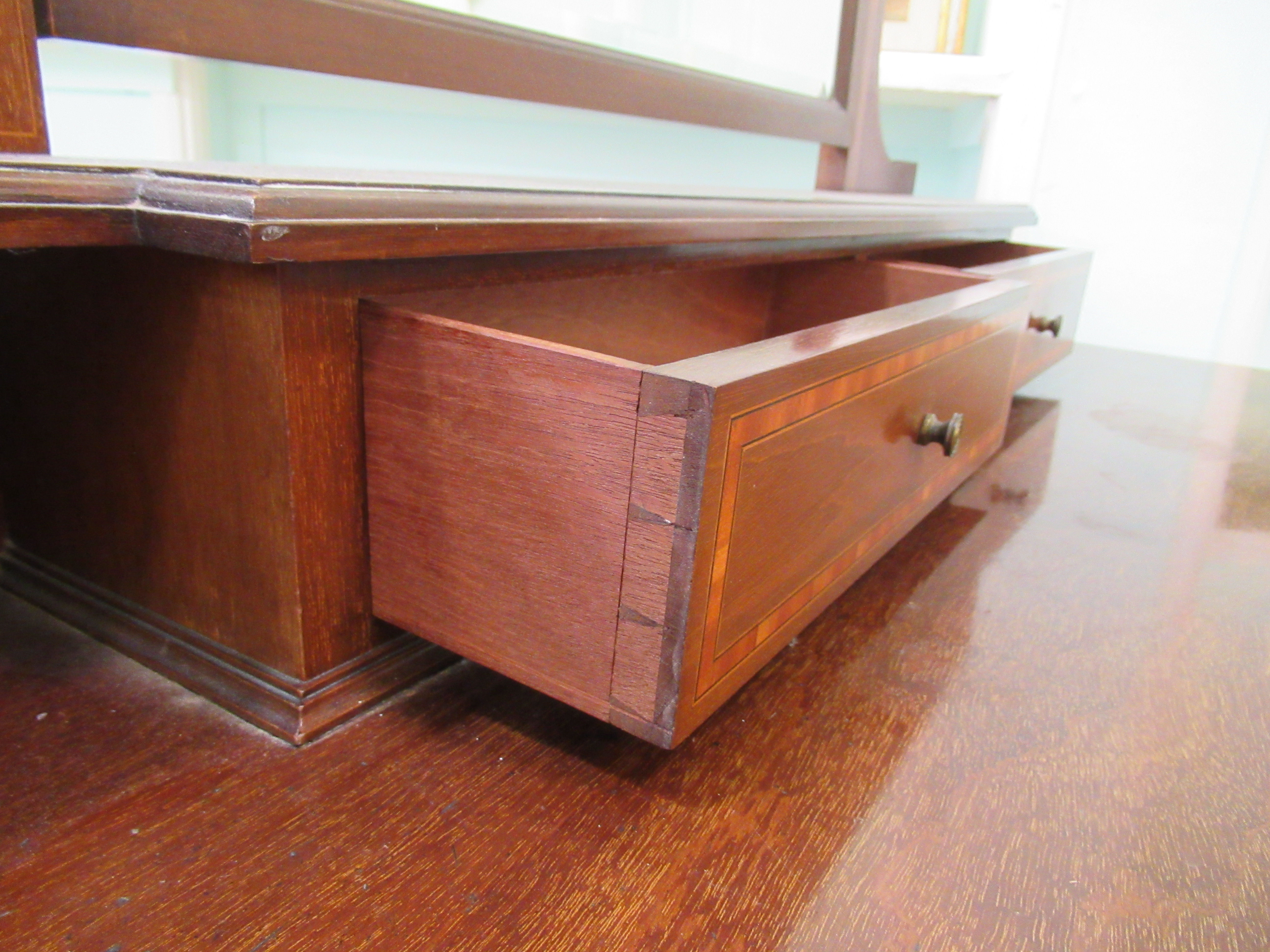 An Edwardian Maple & Co string inlaid ebony and crossbanded mahogany dressing table, surmounted by a - Image 5 of 9