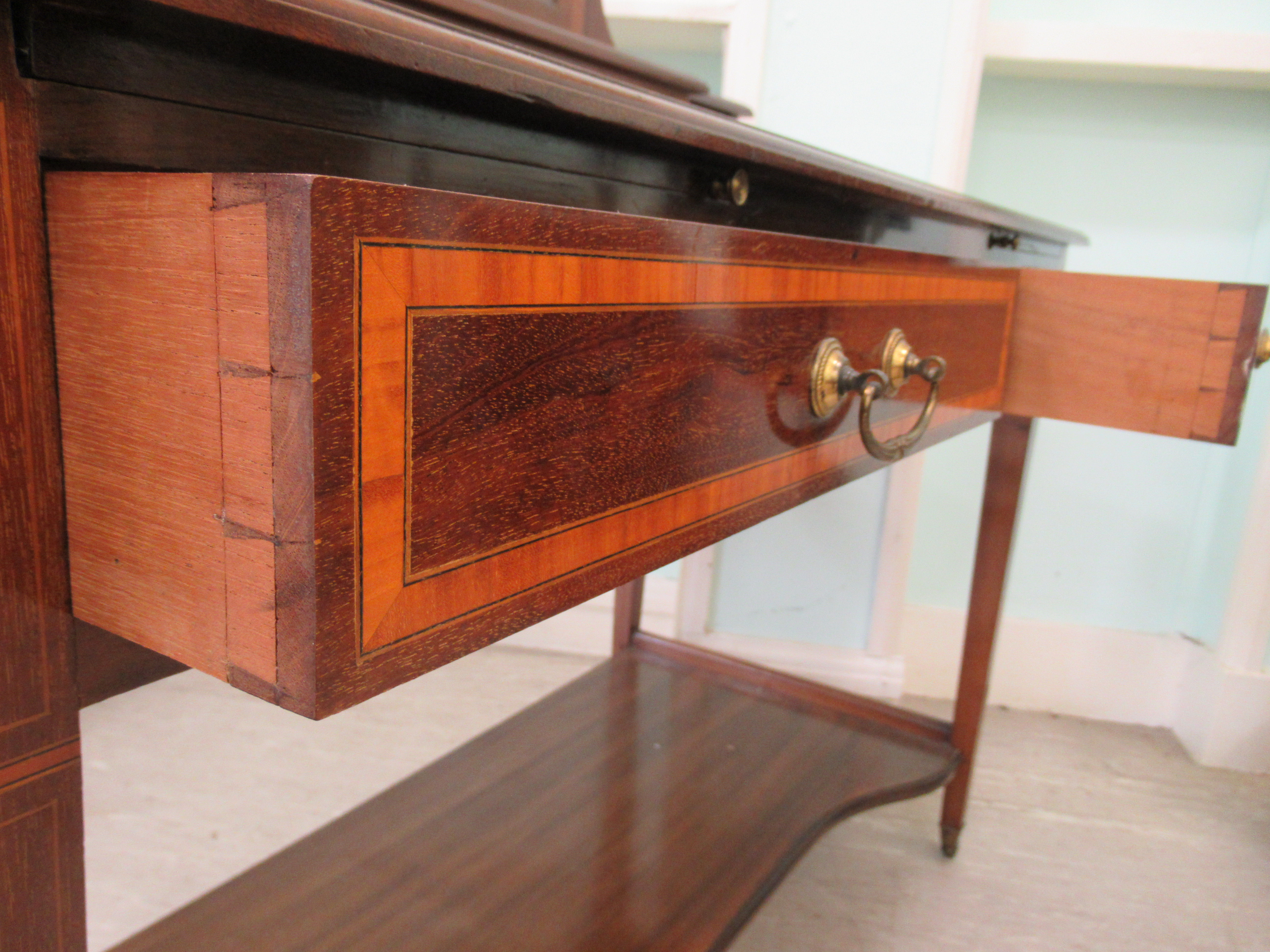 An Edwardian Maple & Co string inlaid ebony and crossbanded mahogany dressing table, surmounted by a - Image 7 of 9