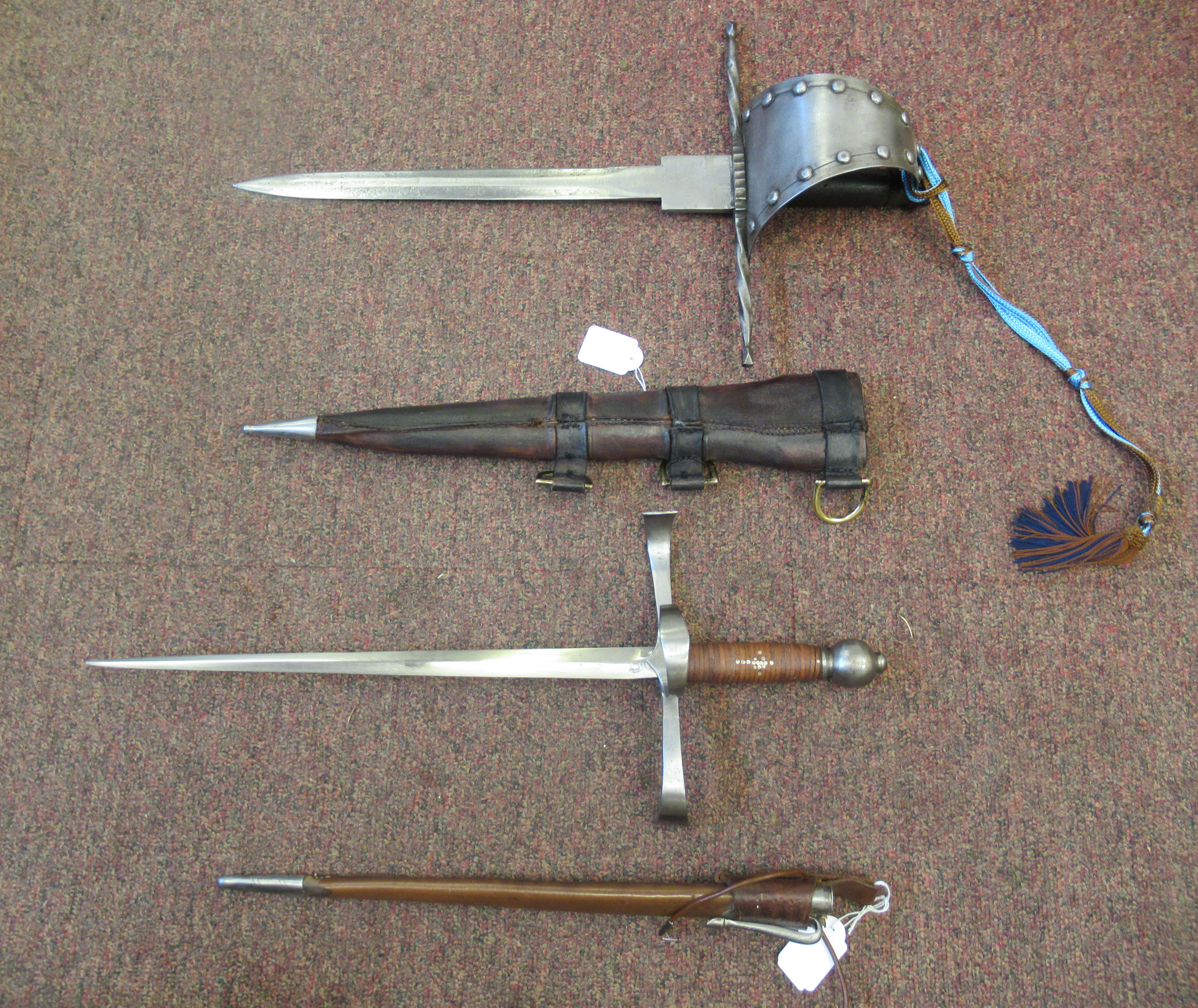 """A replica Medieval short sword with a hide bound handle, wide hilt and blade 13.5""""L in a stitched - Image 2 of 7"""