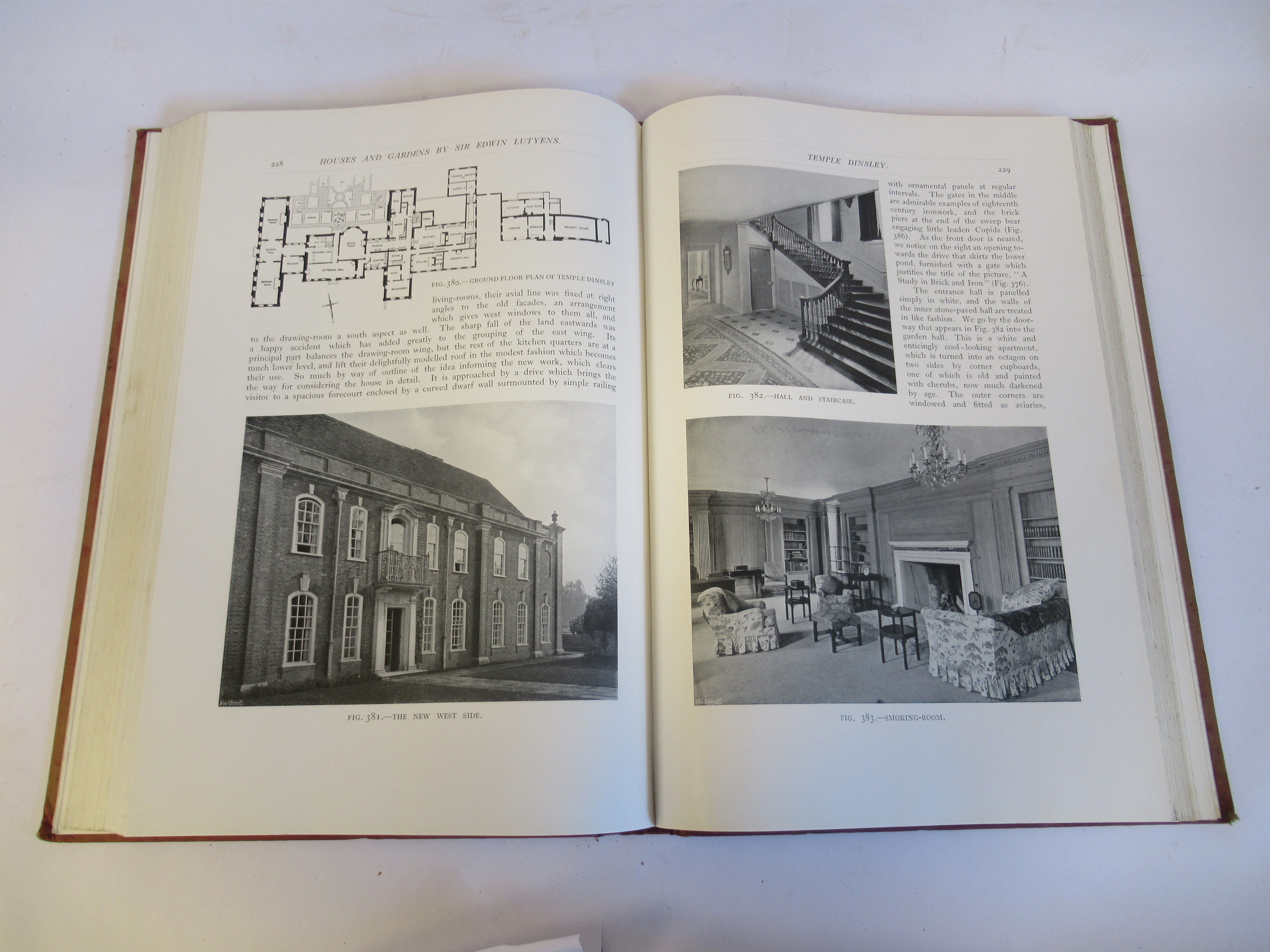Book: 'Houses and Gardens' by Edwin Lutyens RA with numerous photographic illustrations published by - Image 6 of 7