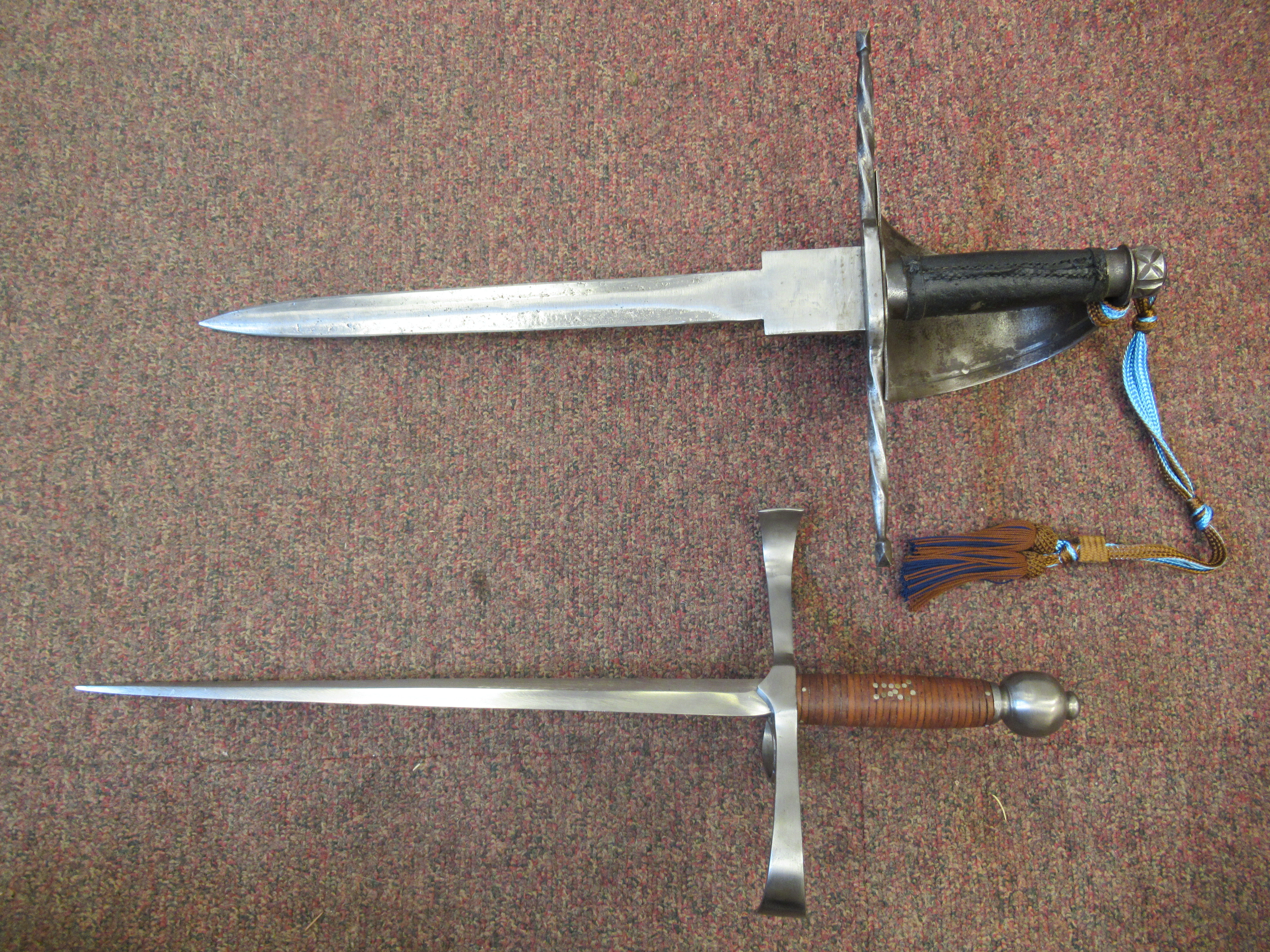 """A replica Medieval short sword with a hide bound handle, wide hilt and blade 13.5""""L in a stitched - Image 4 of 7"""
